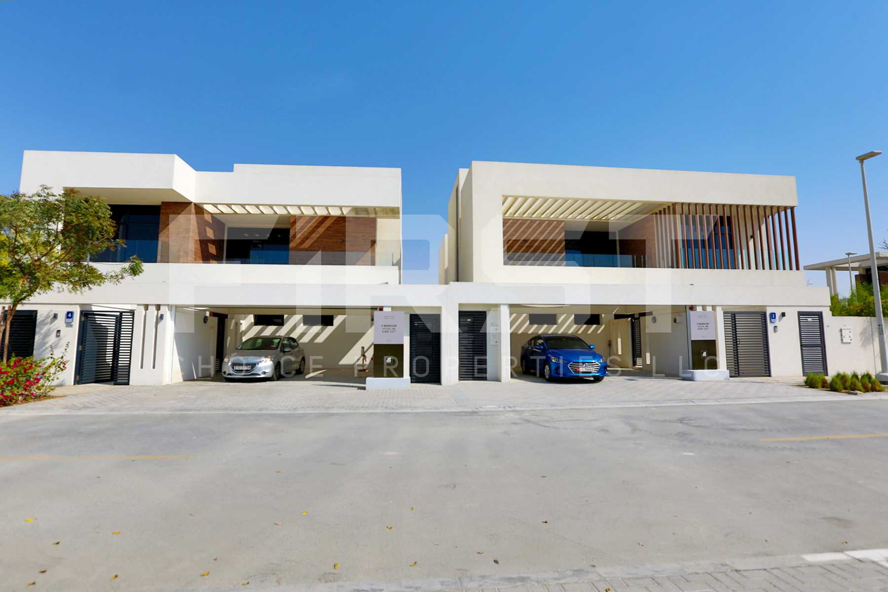 External Photo of 4 Bedroom Villa in West Yas Yas Island Abu Dhabi UAE (20).jpg
