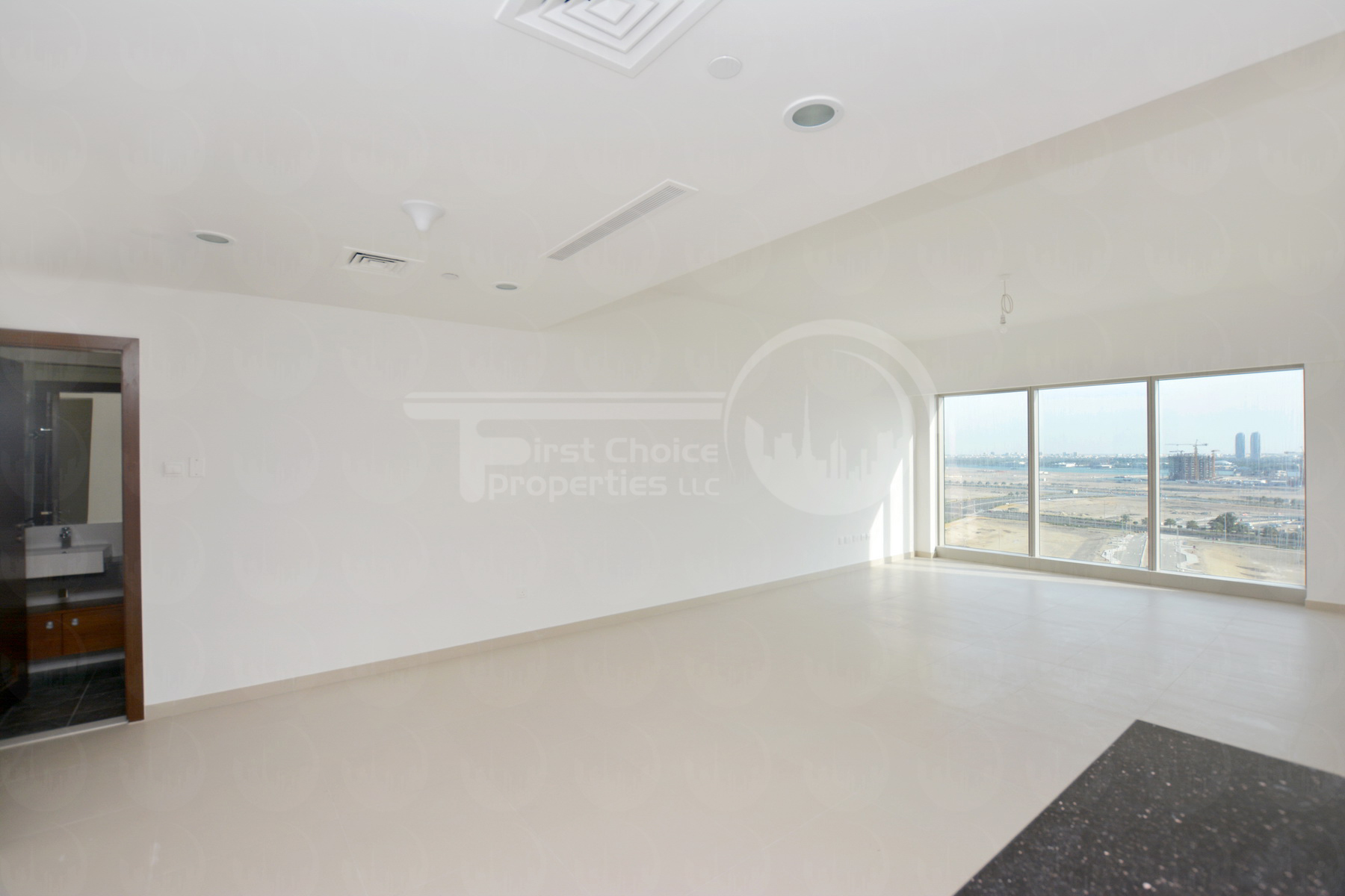 2 Bedroom Apartment - Abu Dhabi - UAE - Gate Tower - Al Reem Island (11).JPG