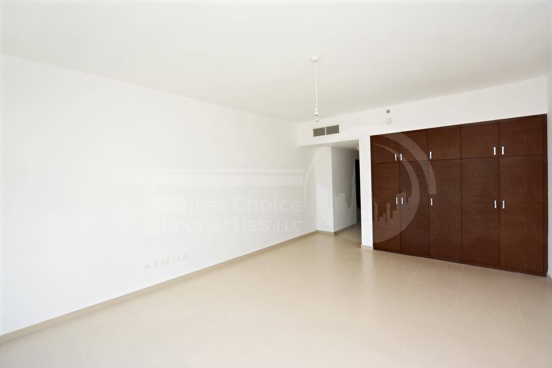 Studio Apartment - Abu Dhabi - UAE - Gate Tower - Al Reem Island (4).JPG