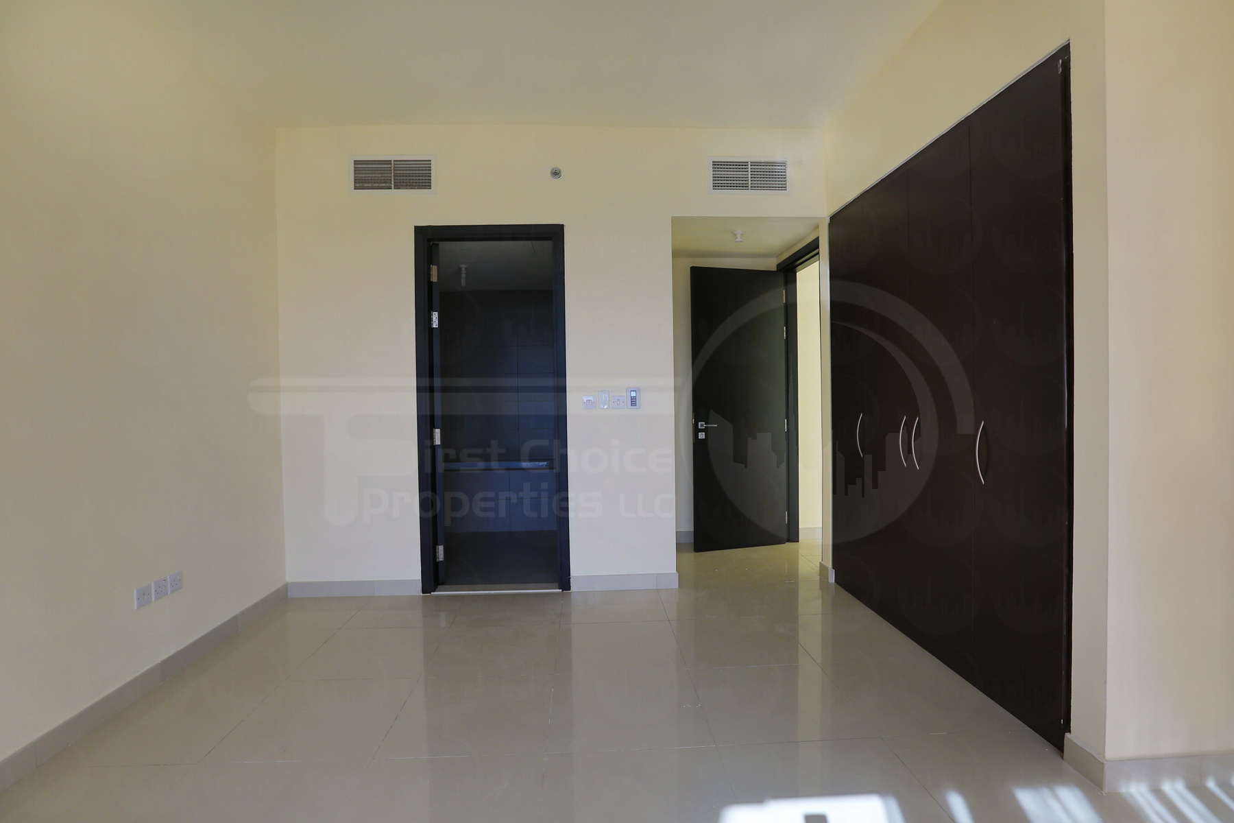 2 Bedroom Apartment - UAE - Abu Dhabi - Al Reem Island - Tala Tower (15).JPG