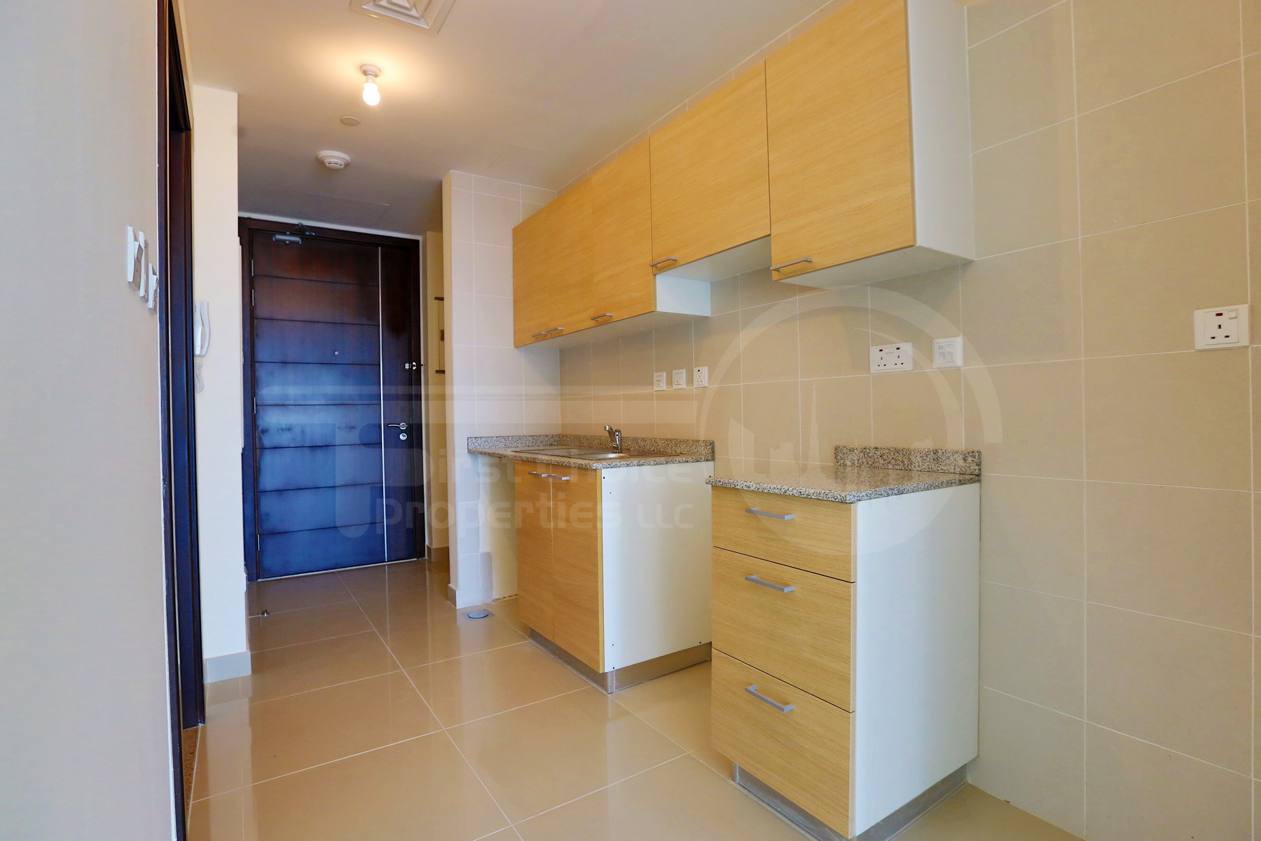 Studio Apartment - Abu Dhabi - UAE - Al Reem Island - City of Lights - C10 Building (1).JPG
