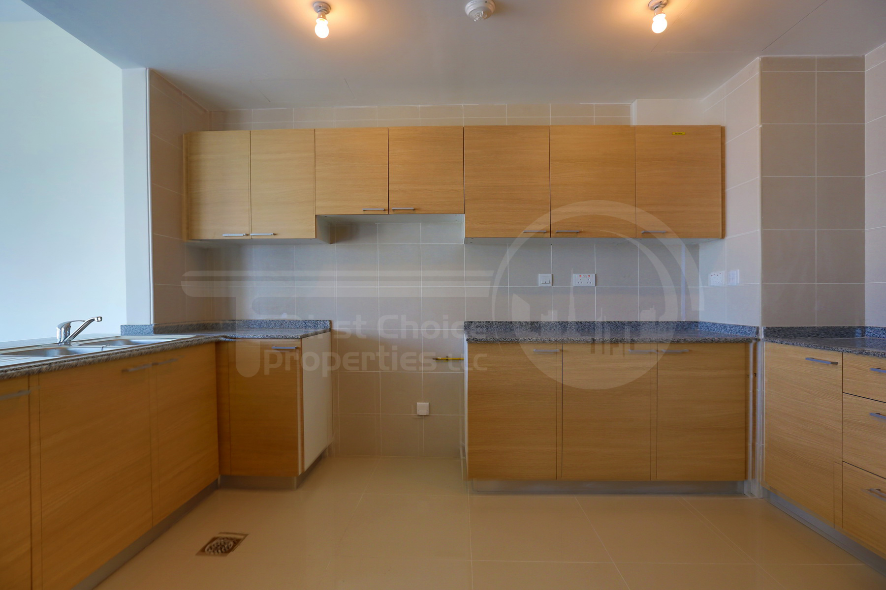 2BR Apartment - Abu Dhabi - UAE - Al Reem Island - City of Lights - C10 Building (4).JPG