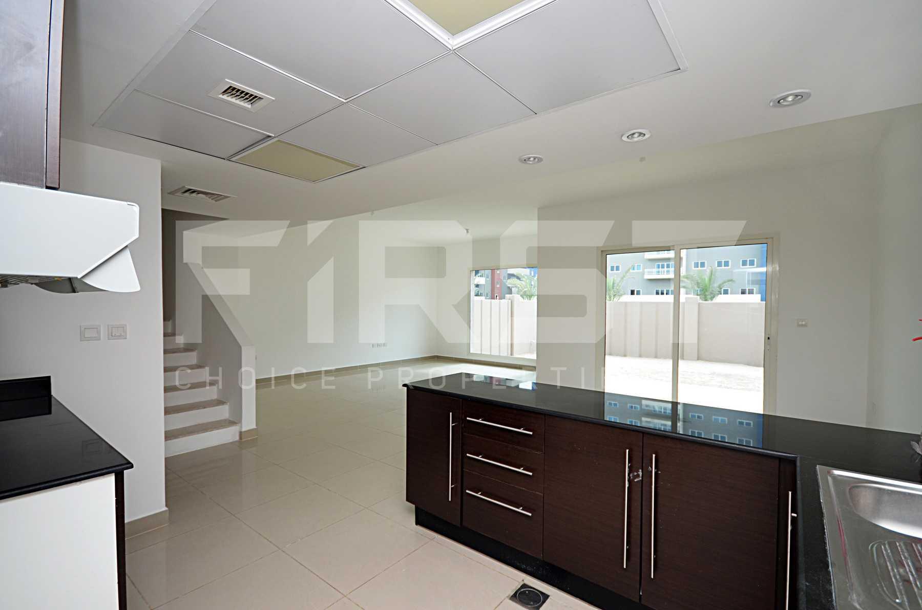 8. Internal Photo of 4 Bedroom Villa in Al Reef Villas Al Reef Abu Dhabi UAE 265.5 sq.m 2858 sq.ft (46).jpg
