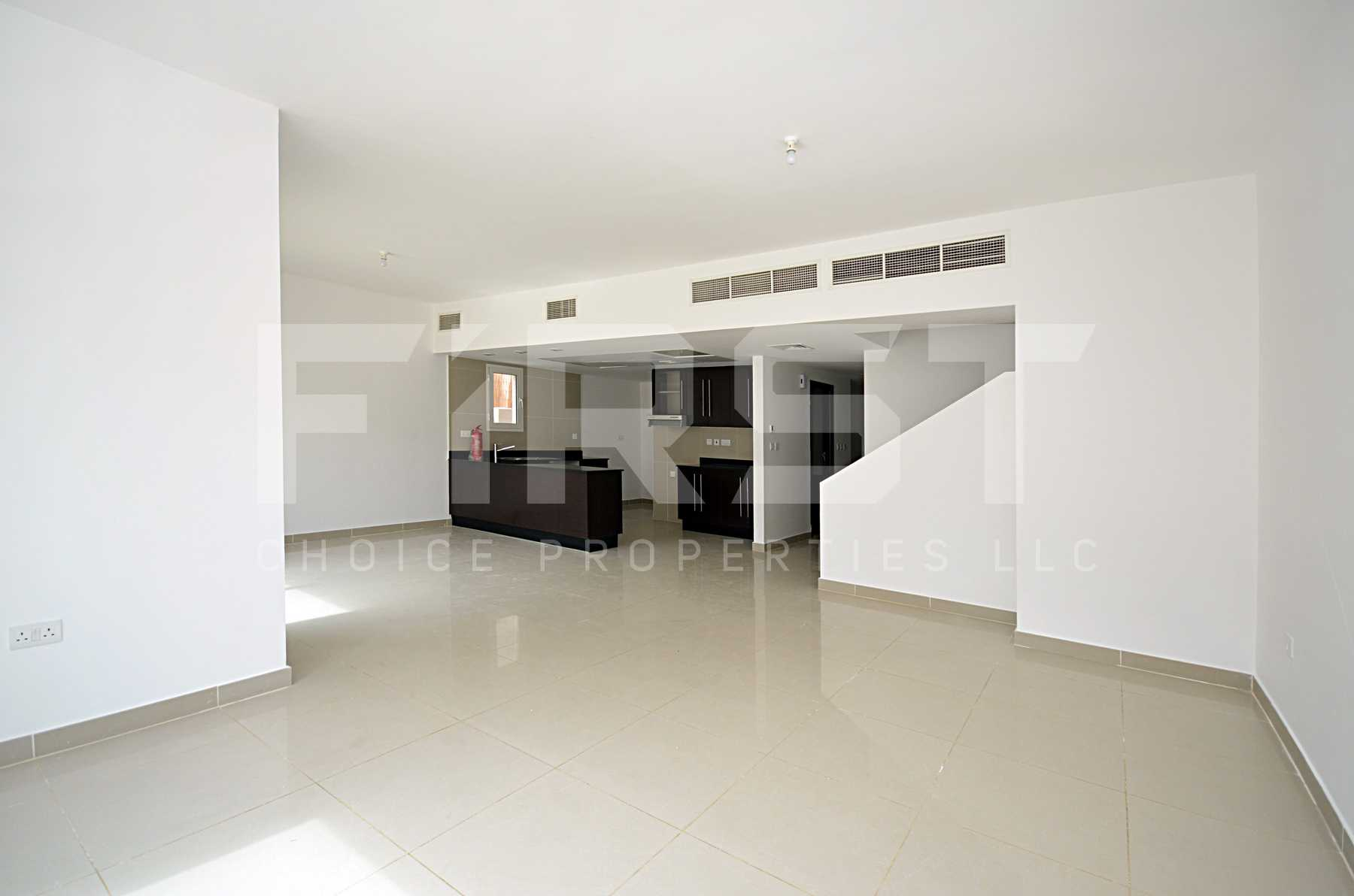 4. Internal Photo of 4 Bedroom Villa in Al Reef Villas Al Reef Abu Dhabi UAE 265.5 sq.m 2858 sq.ft (41).jpg
