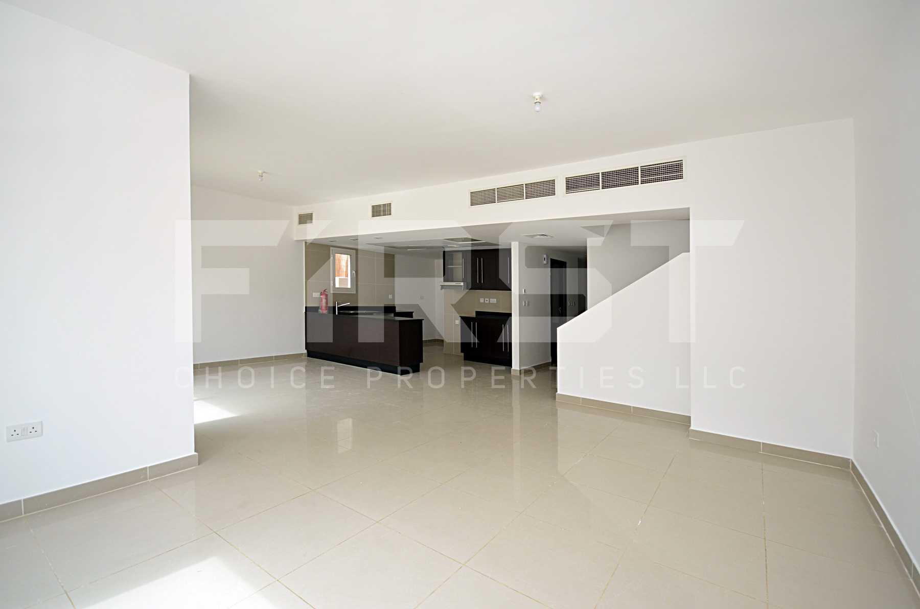 4. Internal Photo of 4 Bedroom Villa in Al Reef Villas Al Reef Abu Dhabi UAE 265.5 sq.m 2858 sq.ft (41).jpg