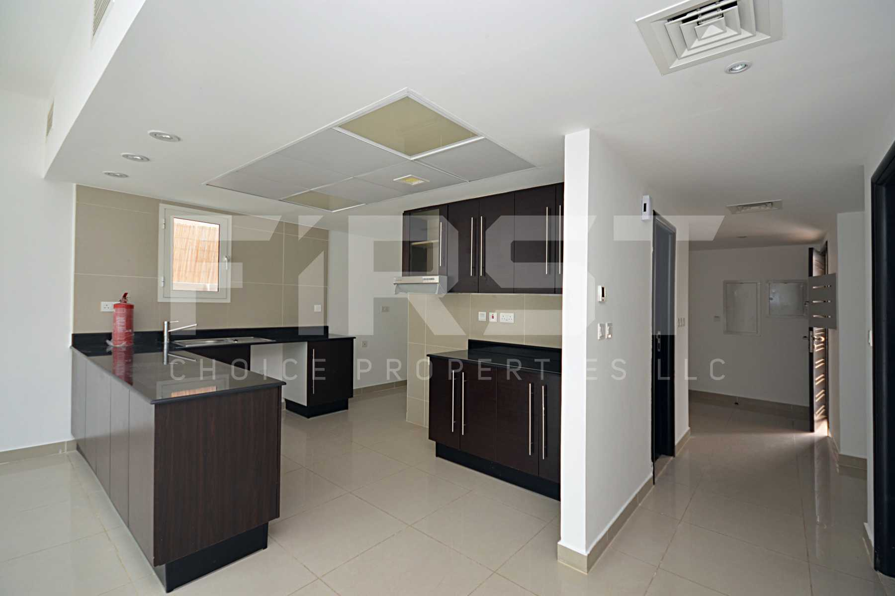 5. Internal Photo of 4 Bedroom Villa in Al Reef Villas Al Reef Abu Dhabi UAE 265.5 sq.m 2858 sq.ft (8).jpg