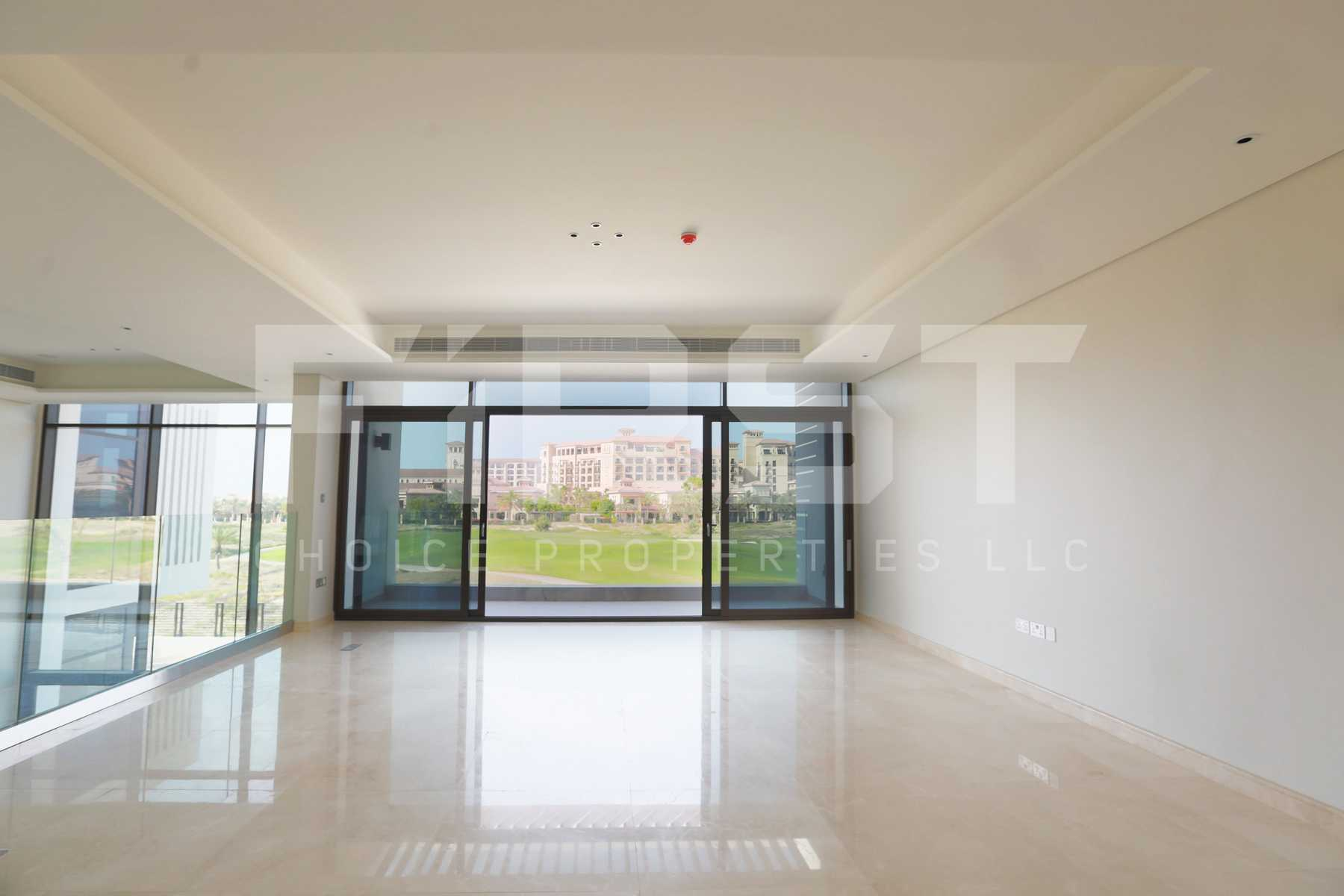 Internal Photo of 5 Bedroom Villa in Jawaher Saadiyat Saadiyat Island Abu Dhabi UAE (3).jpg