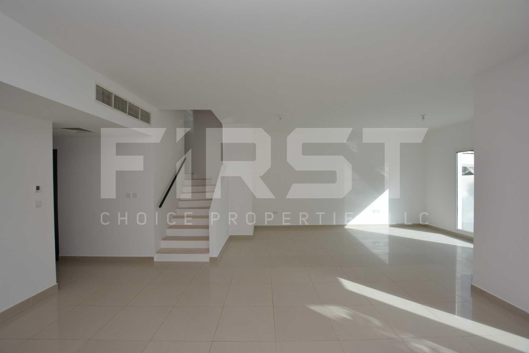 Internal Photo of 5 Bedroom Villa in Al Reef Villas 348.3 sq.m 3749 sq.ft (120).jpg