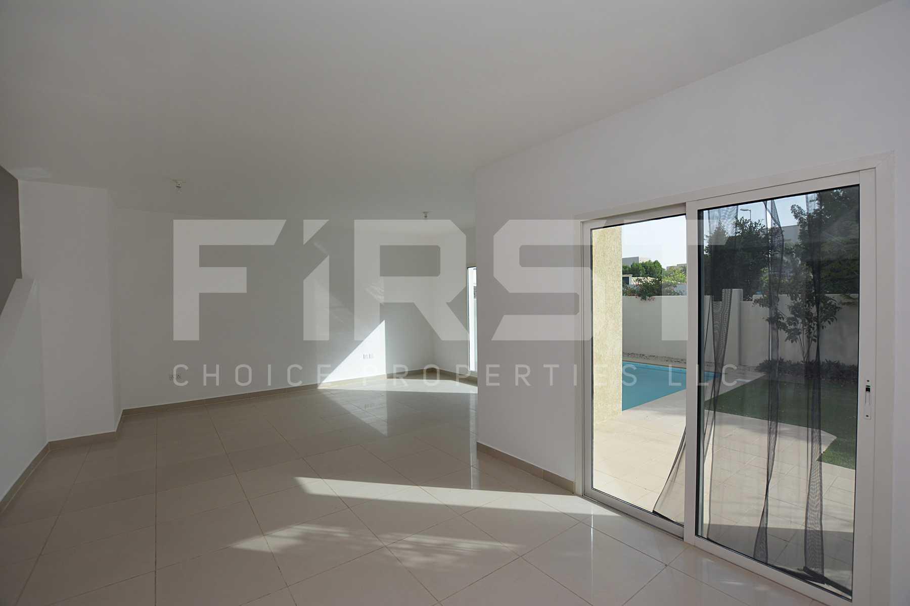Internal Photo of 5 Bedroom Villa in Al Reef Villas 348.3 sq.m 3749 sq.ft (121).jpg