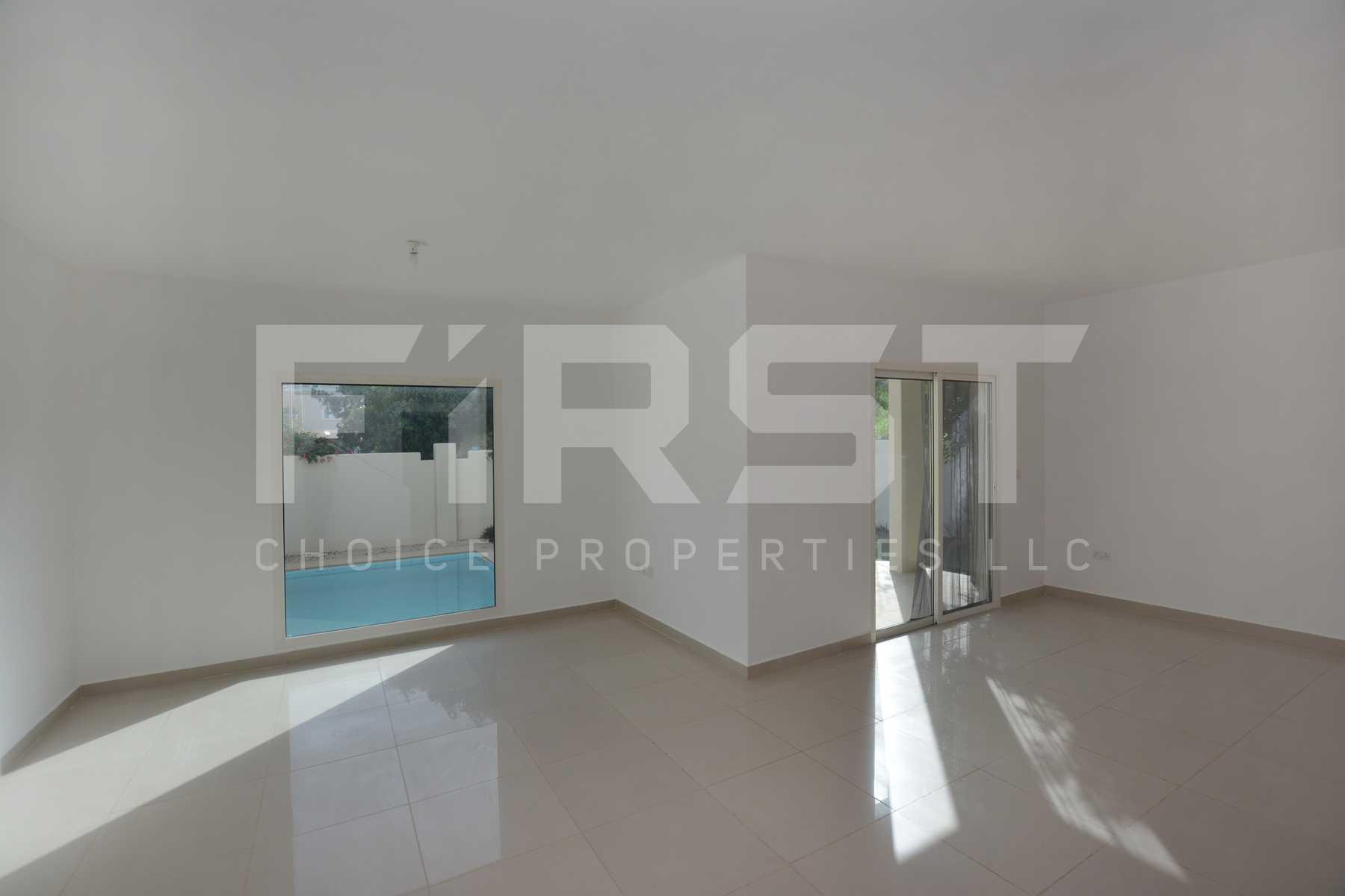 Internal Photo of 5 Bedroom Villa in Al Reef Villas 348.3 sq.m 3749 sq.ft (7).jpg