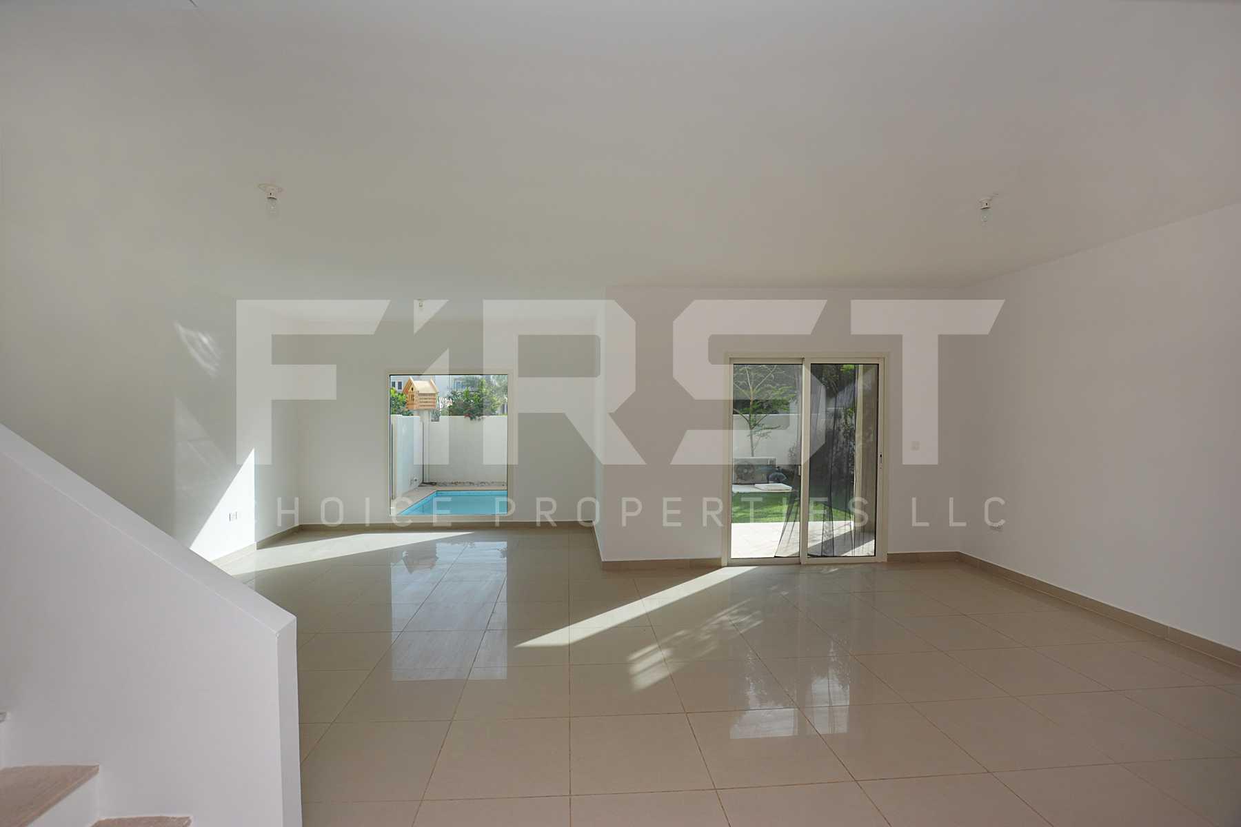Internal Photo of 5 Bedroom Villa in Al Reef Villas 348.3 sq.m 3749 sq.ft (72).jpg