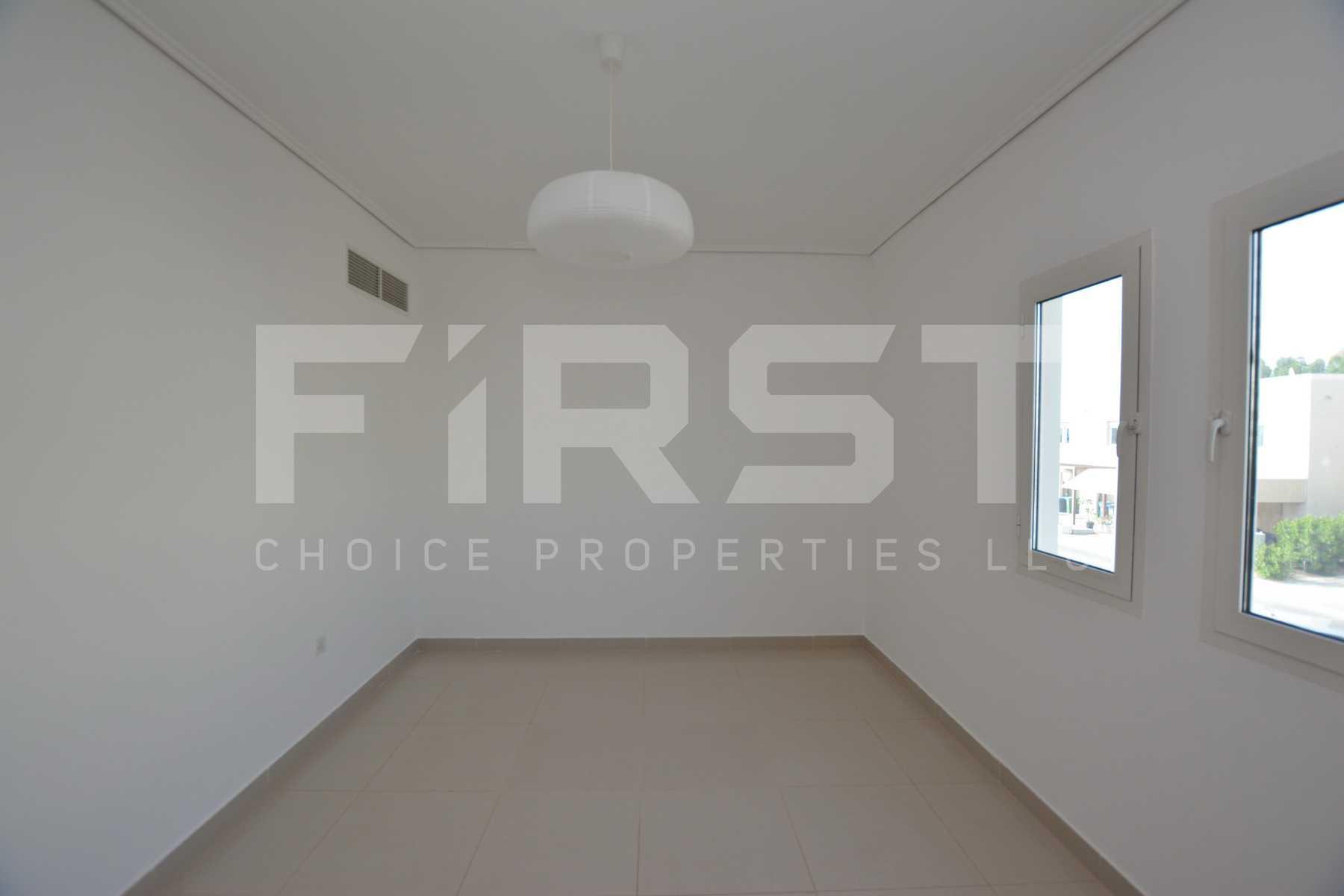 Internal Photo of 5 Bedroom Villa in Al Reef Villas 348.3 sq.m 3749 sq.ft (89).jpg