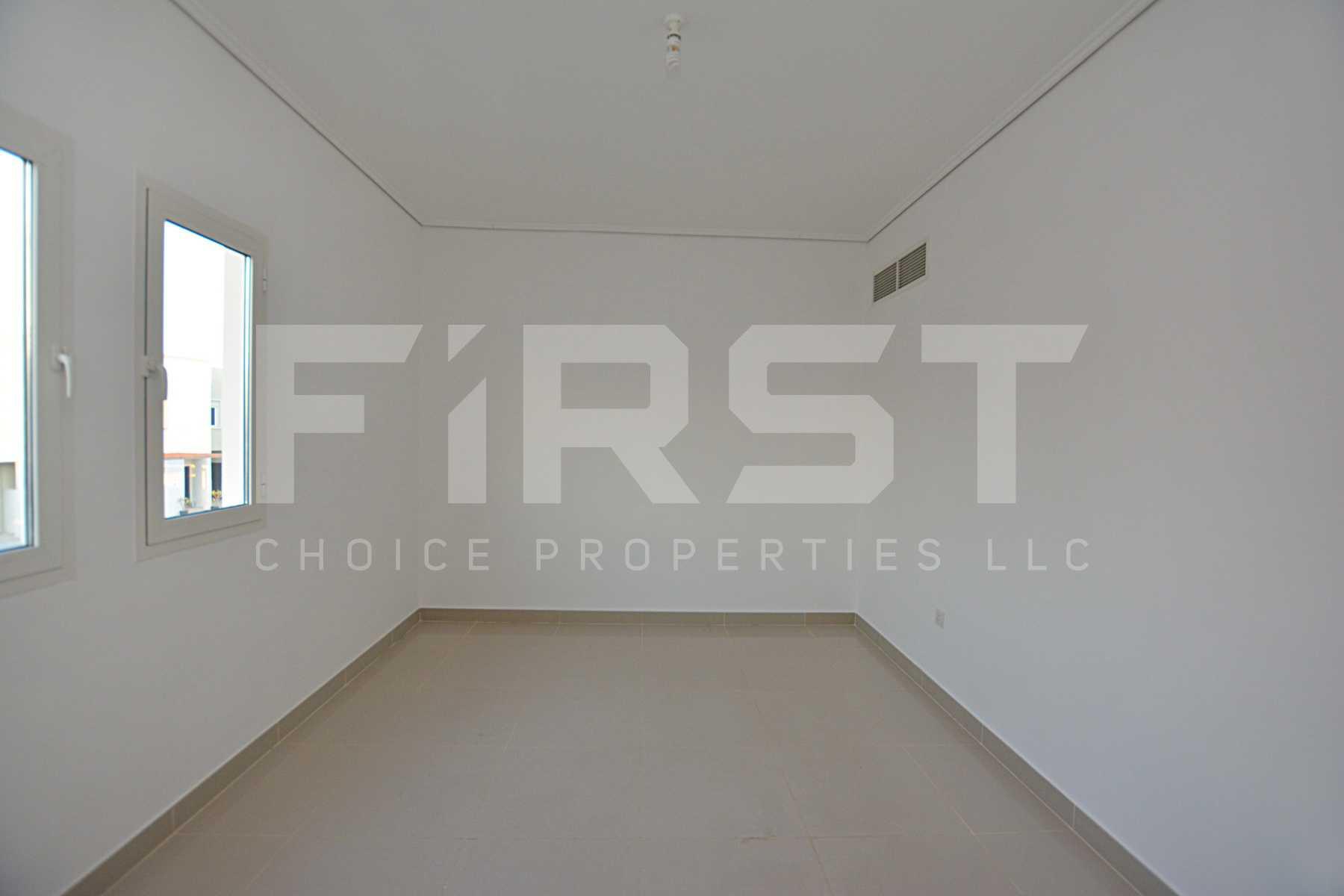 Internal Photo of 5 Bedroom Villa in Al Reef Villas 348.3 sq.m 3749 sq.ft (110).jpg
