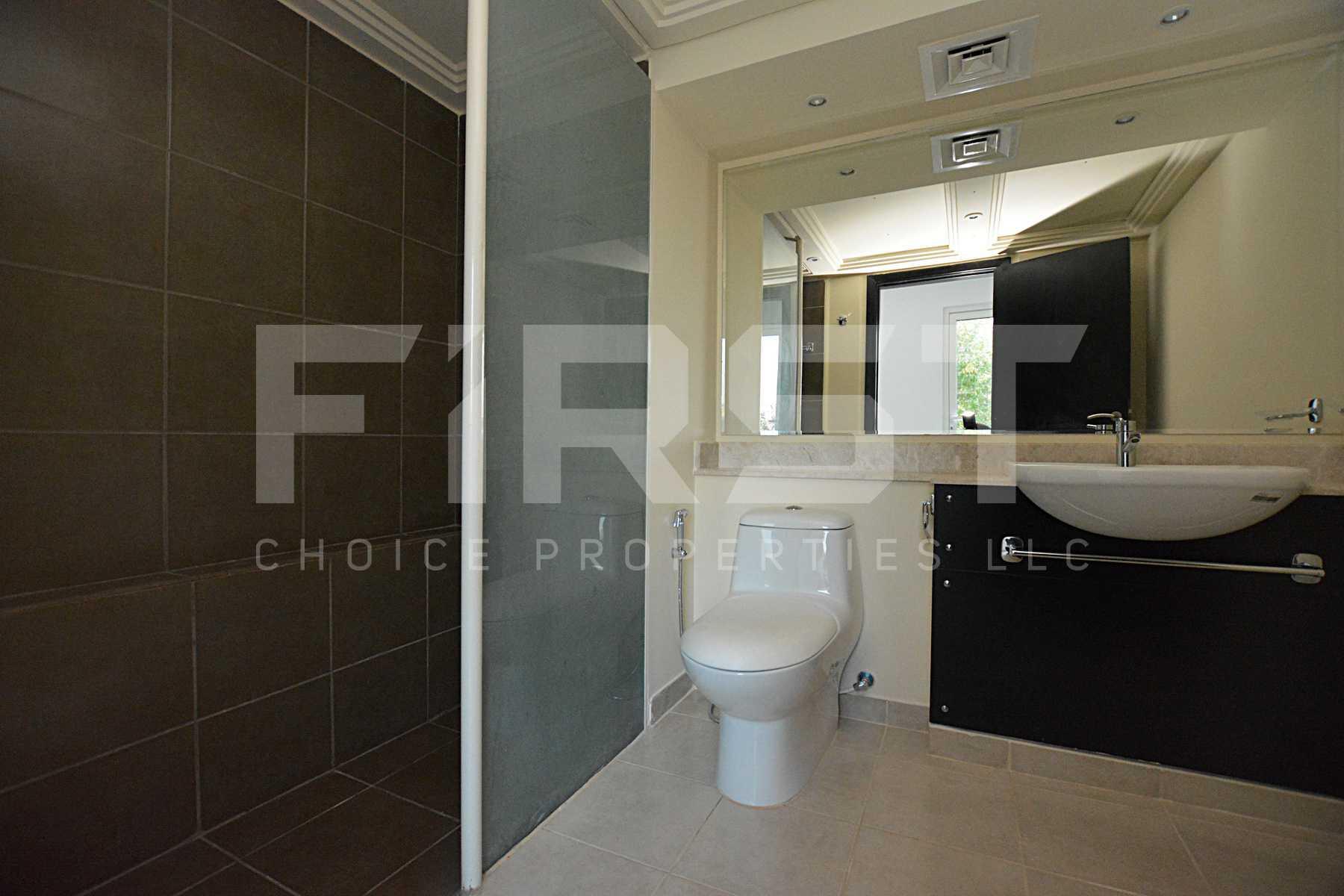 Internal Photo of 5 Bedroom Villa in Al Reef Villas 348.3 sq.m 3749 sq.ft (114).jpg
