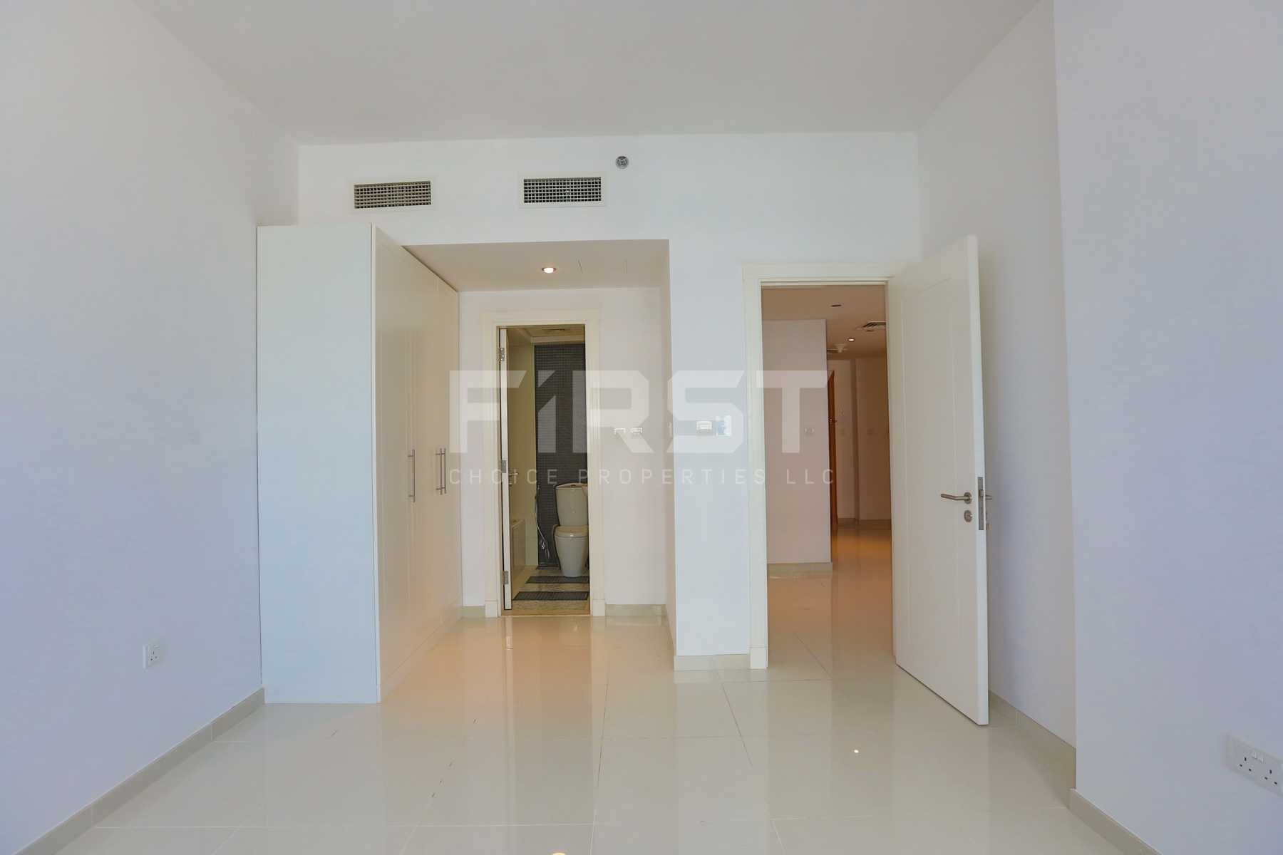 Internal Photo of 1 Bedroom Apartment in Marina bay by Damac Najmat Abu Dhabi Al Reem Island Abu Dhabi UAE (20).jpg