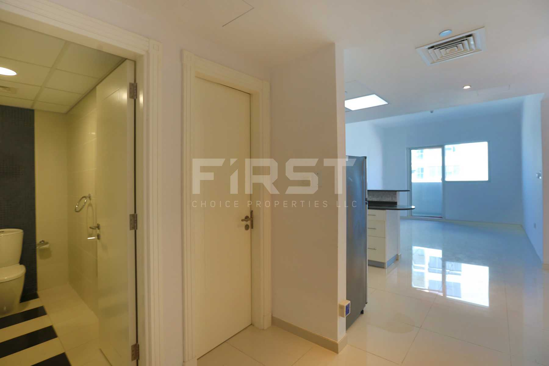 Internal Photo of 1 Bedroom Apartment in Marina bay by Damac Najmat Abu Dhabi Al Reem Island Abu Dhabi UAE (1).jpg