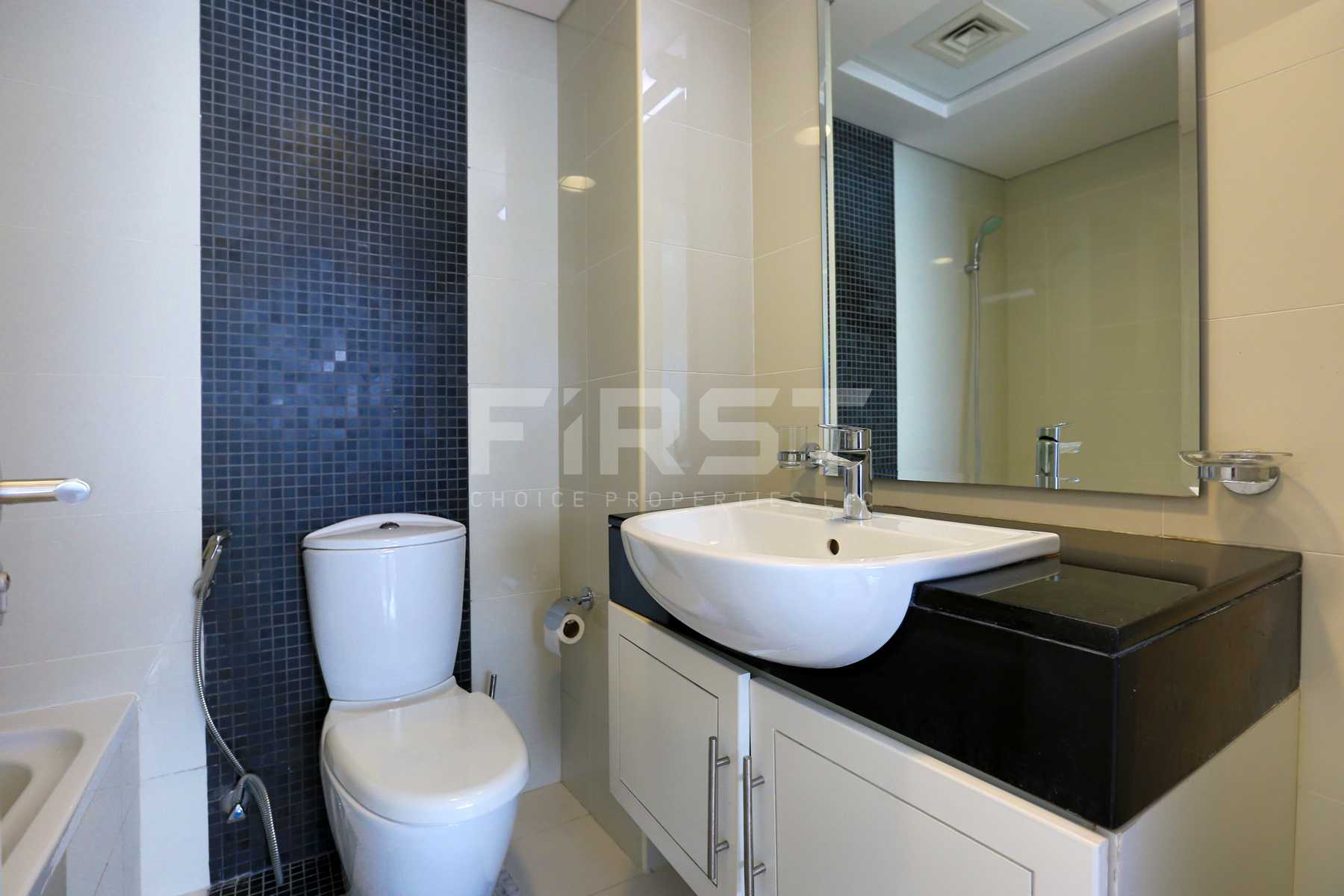 Internal Photo of 1 Bedroom Apartment in Marina bay by Damac Najmat Abu Dhabi Al Reem Island Abu Dhabi UAE (24).jpg