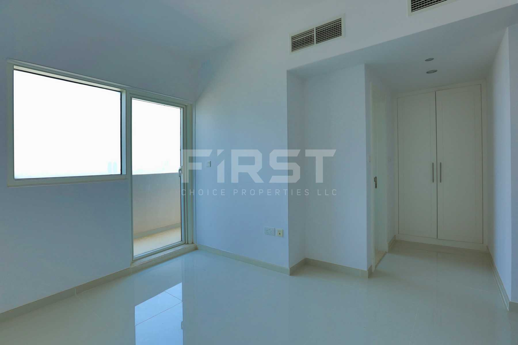 Internal Photo of 2 Bedroom Apartment in Marina bay by Damac Najmat Abu Dhabi Al Reem Island Abu Dhabi UAE (26).jpg