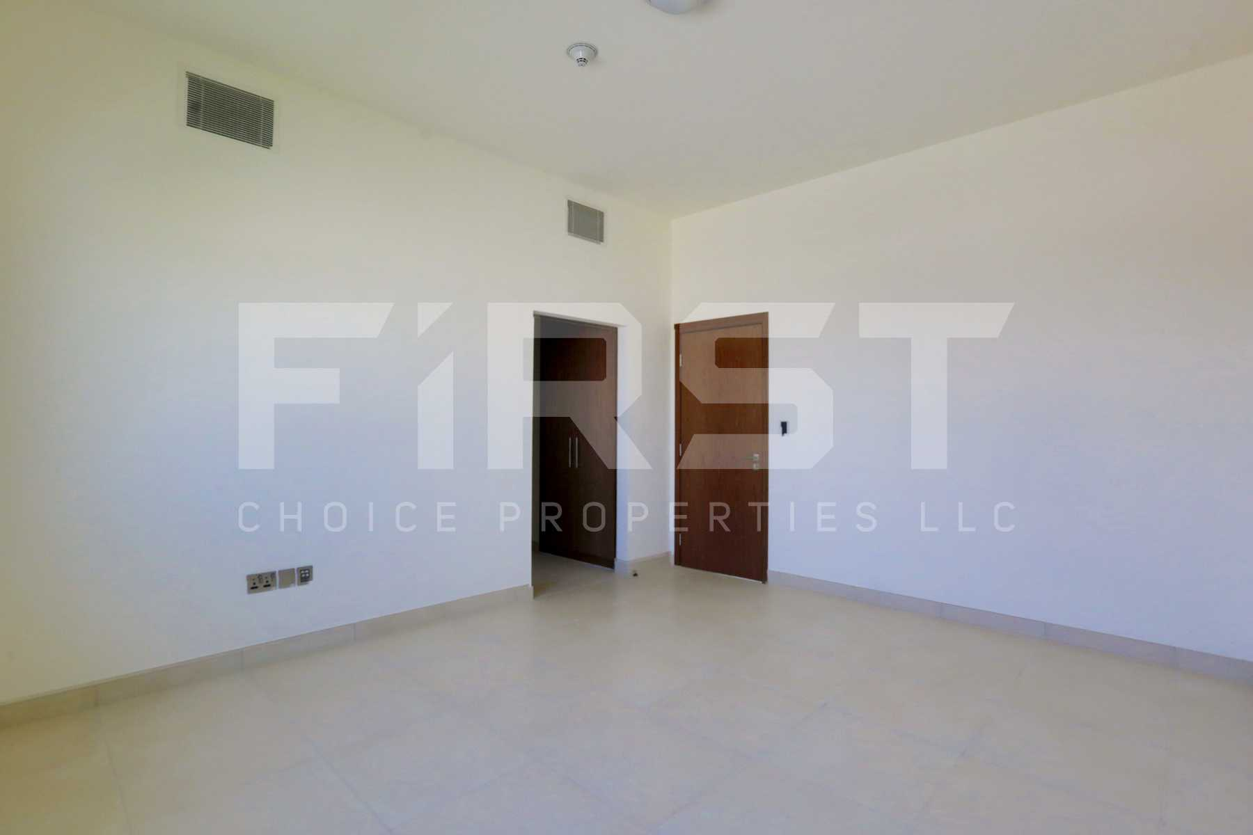 Internal Photo of 4 Bedroom Villa in West Yas Yas Island (35).jpg