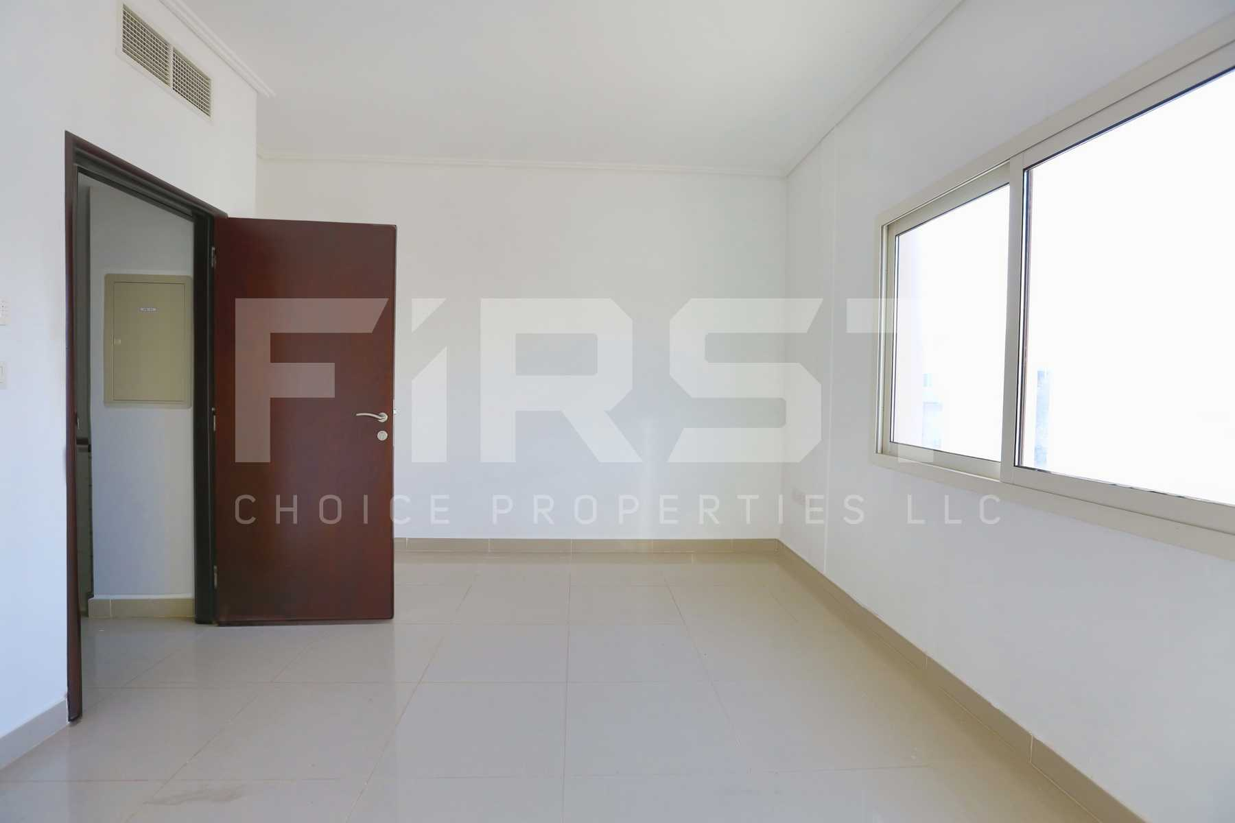 Internal Photo of 2 Bedroom Villa in Al Reef Villas  Al Reef Abu Dhabi UAE 170.2 sq.m 1832 sq.ft (9).jpg