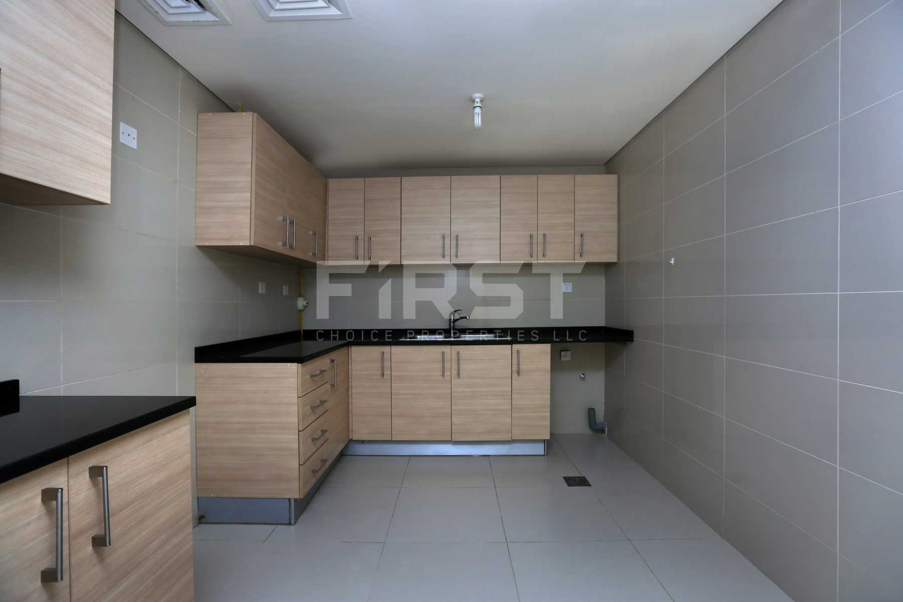 Internal Photo of 1 Bedroom Apartment in Ocean Terrace Marina Square Al Reem Island Abu Dhabi UAE (11).jpg