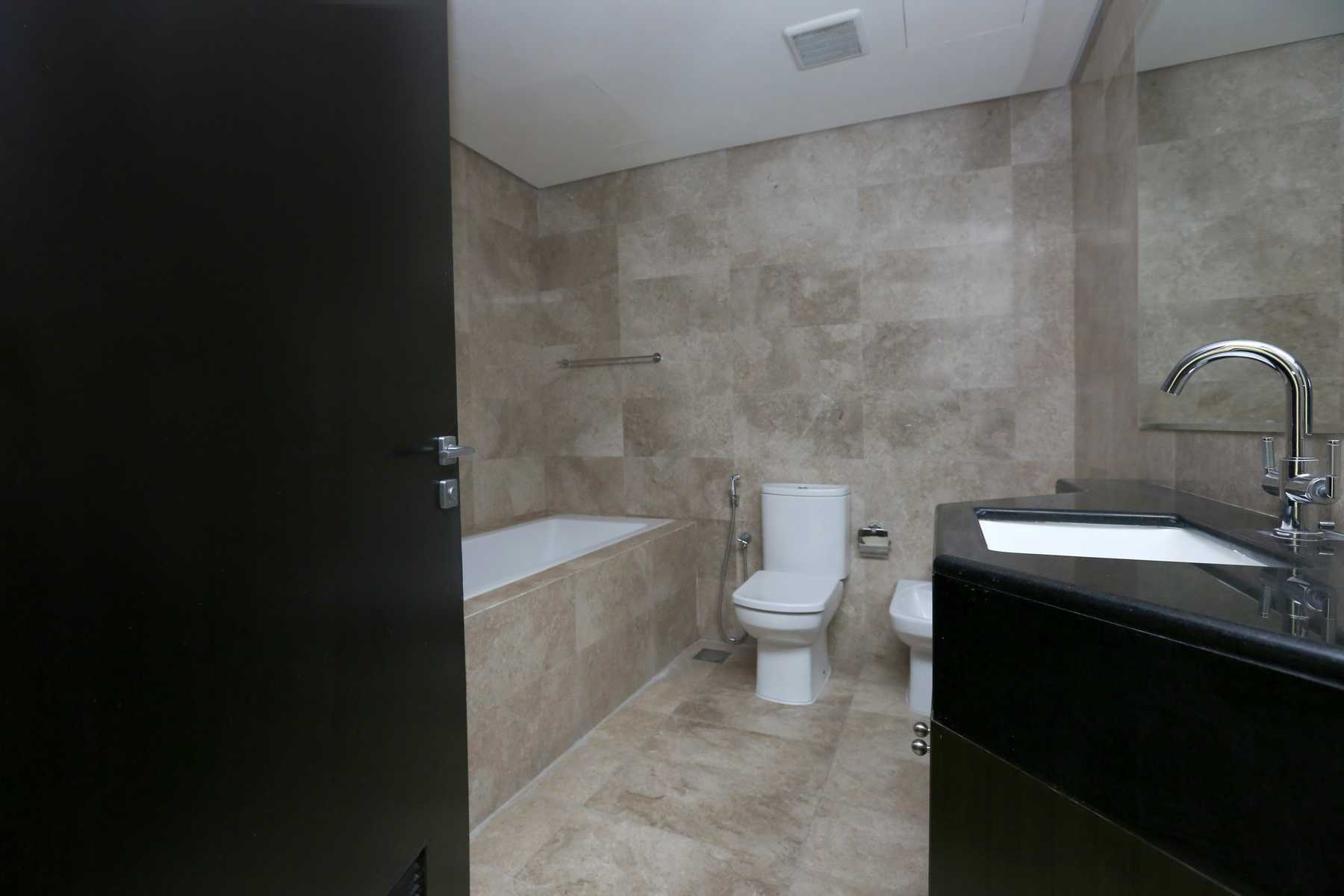 Internal Photo of 1 Bedroom Apartment in Ocean Terrace Marina Square Al Reem Island Abu Dhabi UAE (19).jpg