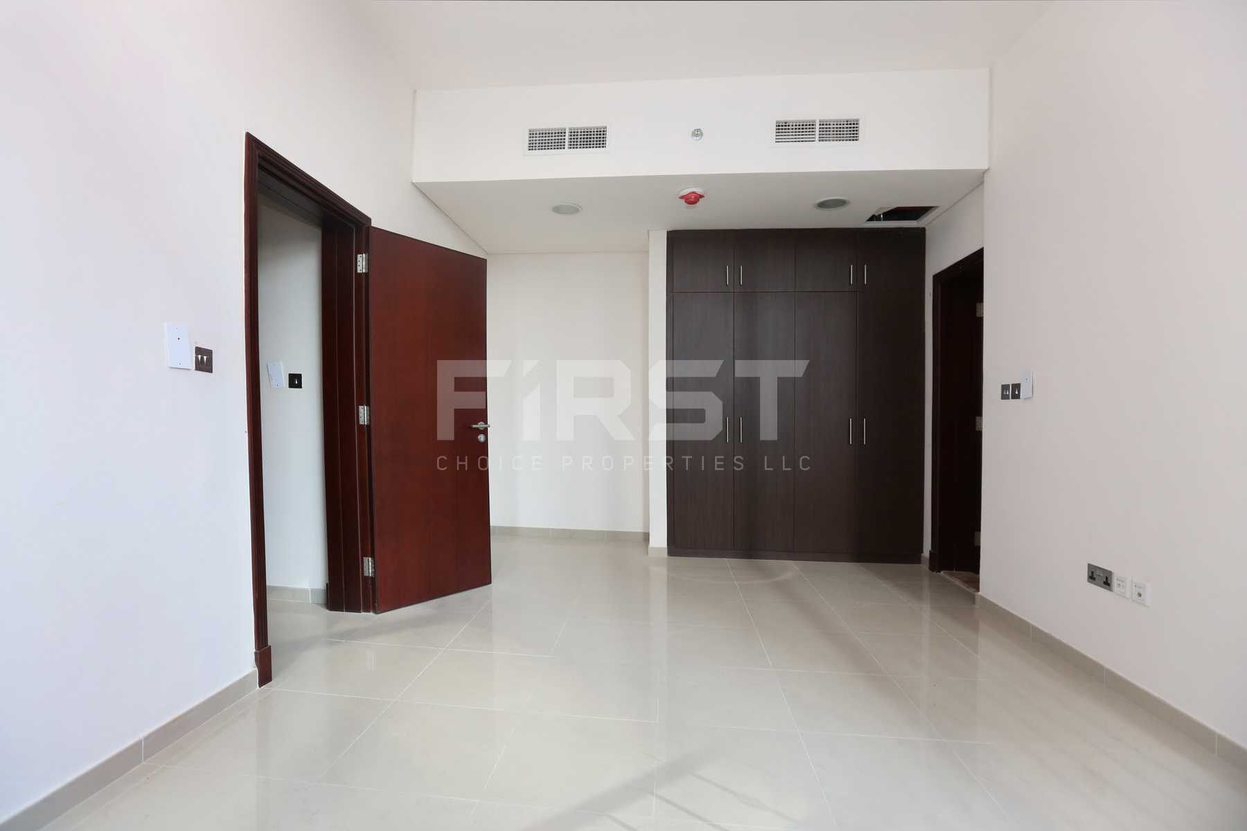 Internal Photo of 2 Bedroom Apartment in Hydra Avenue City of Lights Al Reem Island Abu Dhabi UAE (10).jpg