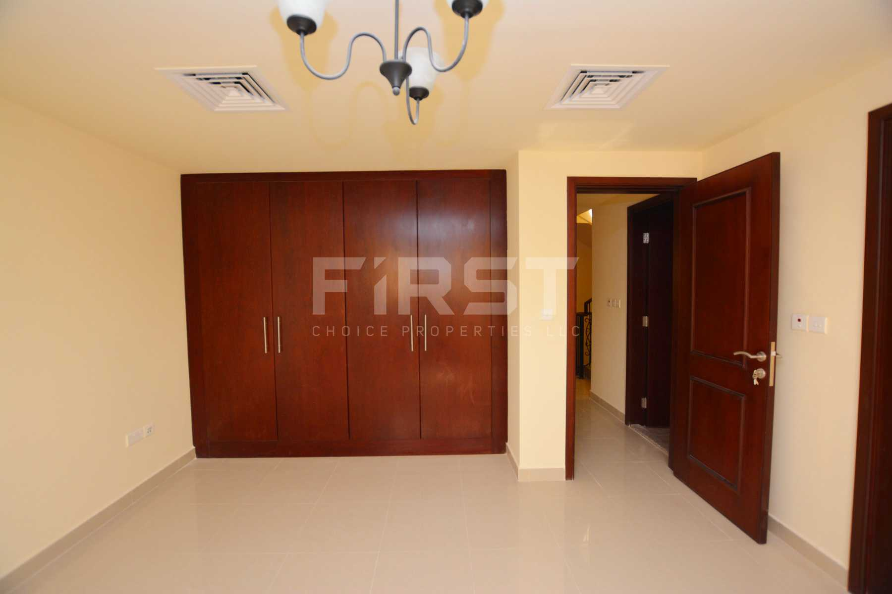 Internal Photo of 3 Bedroom Villa in Hydra Village Abu Dhabi UAE (26).jpg