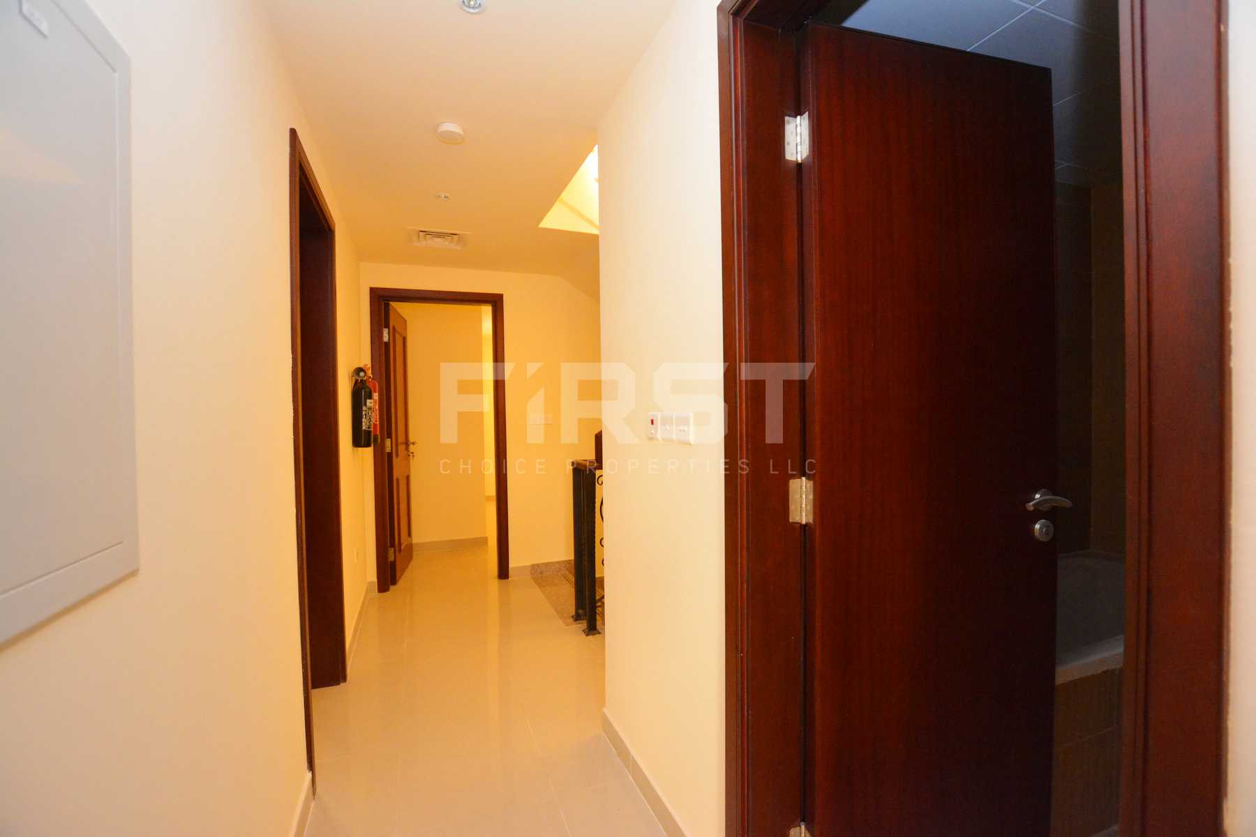 Internal Photo of 3 Bedroom Villa in Hydra Village Abu Dhabi UAE (32).jpg