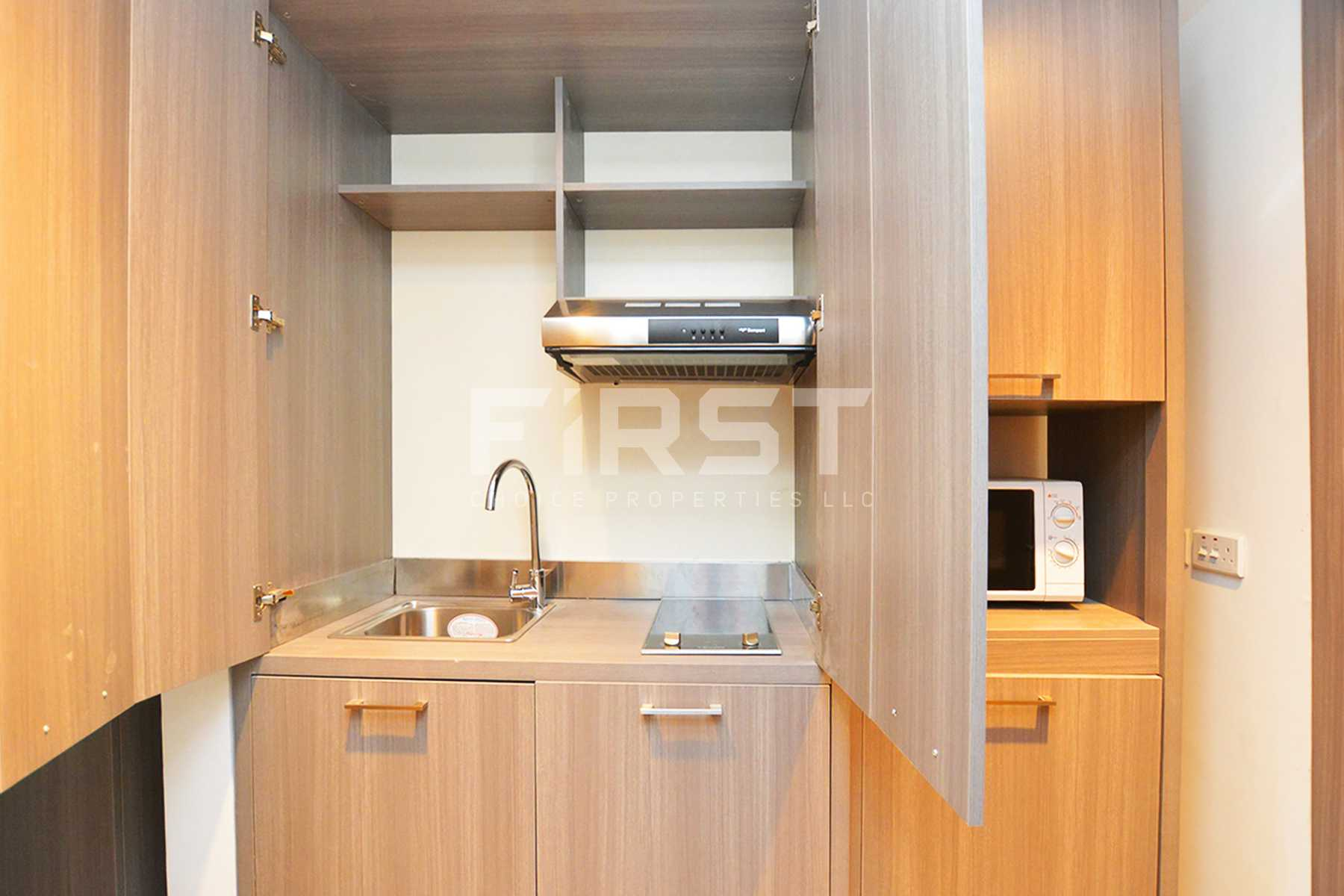 Internal Photo of Studio Apartment in Leonardo Residences Masdar City Abu Dhabi UAE (8).jpg