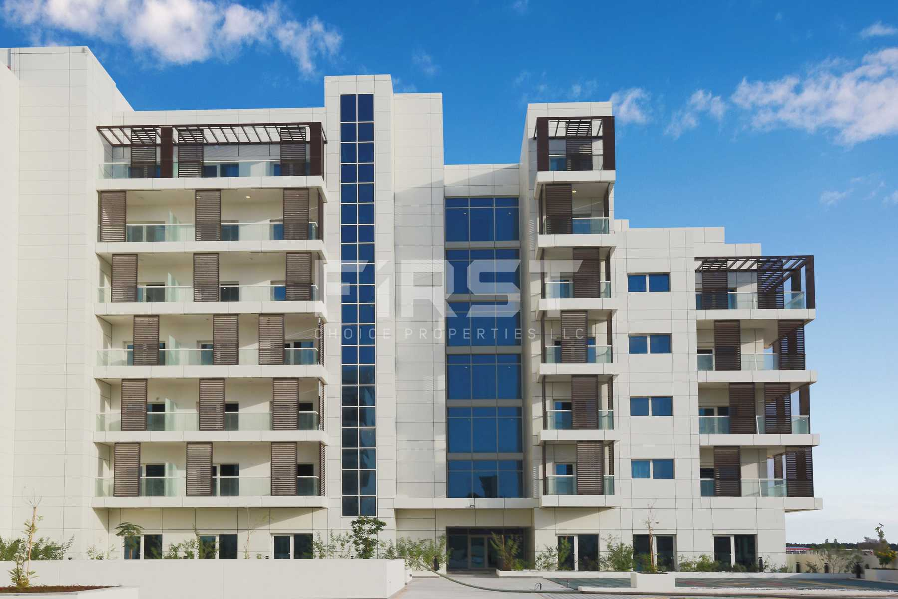 External Photo of Leonardo Residences in Masdar City Abu Dhabi UAE (9).jpg