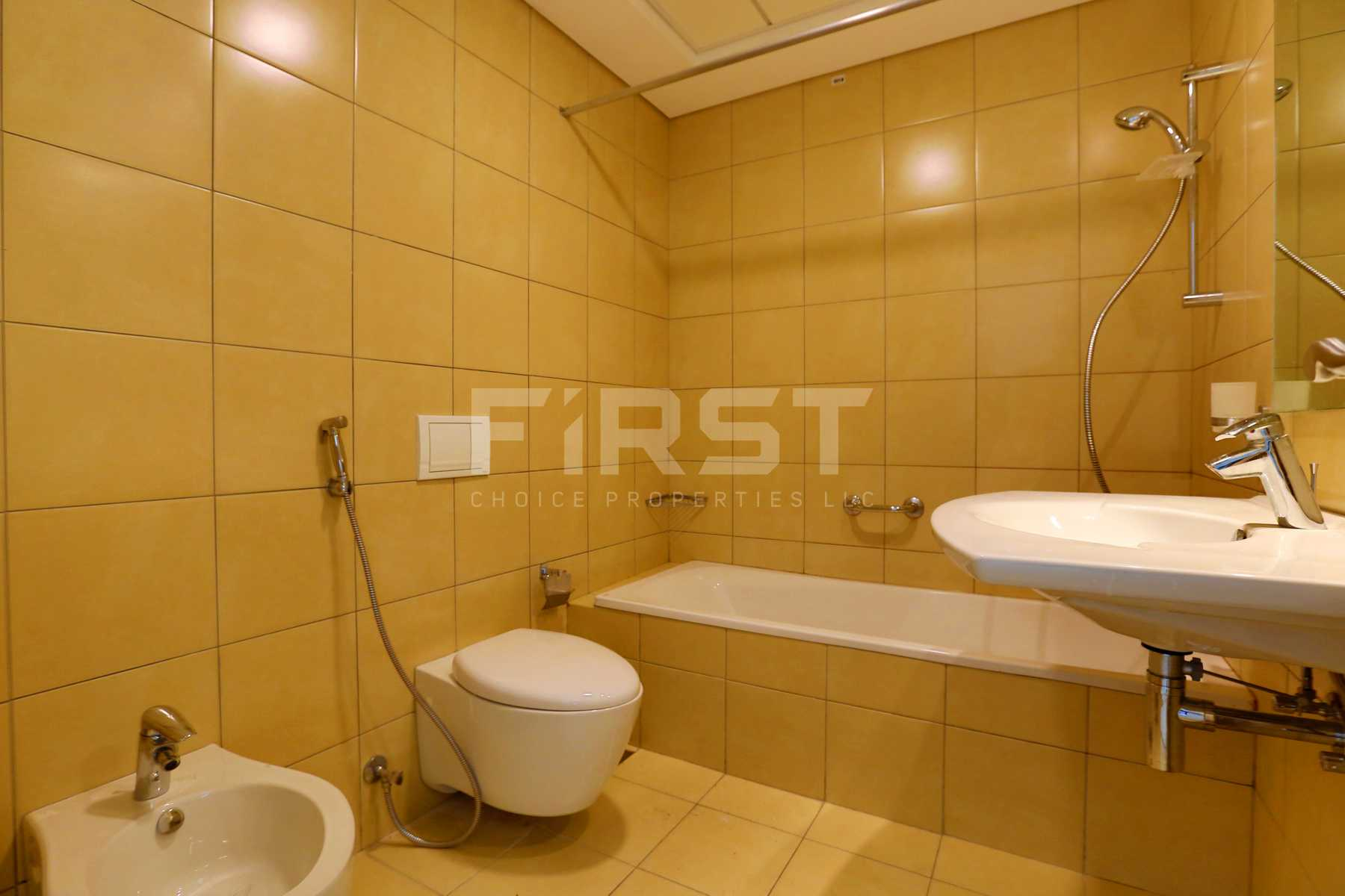 Internal Photo of 2 Bedroom Apartment in Amaya Towers Shams Abu Dhabi Al Reem Island Abu Dhabi UAE (32).jpg