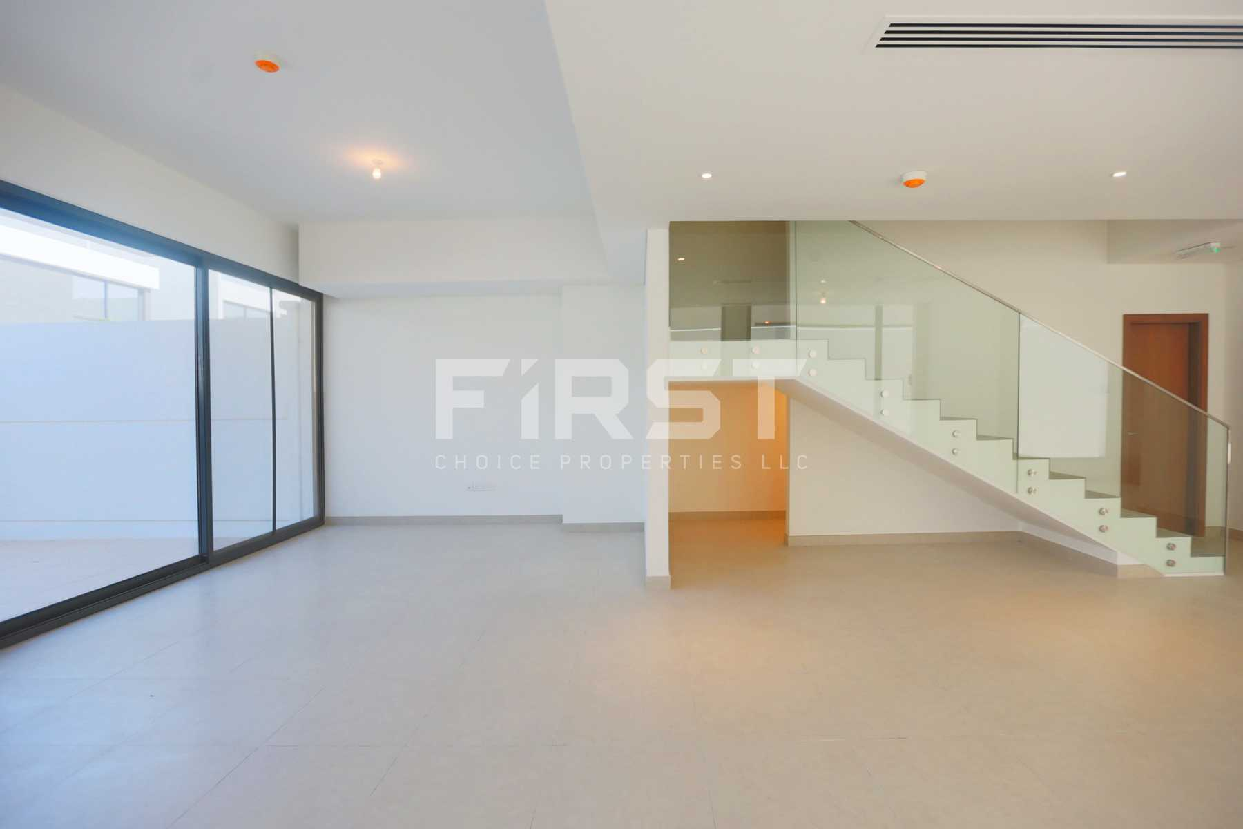 Internal Photo of 5 Bedroom Villa in Faya at Bloom Gardens Al Salam Street Abu Dhabi UAE (1).jpg