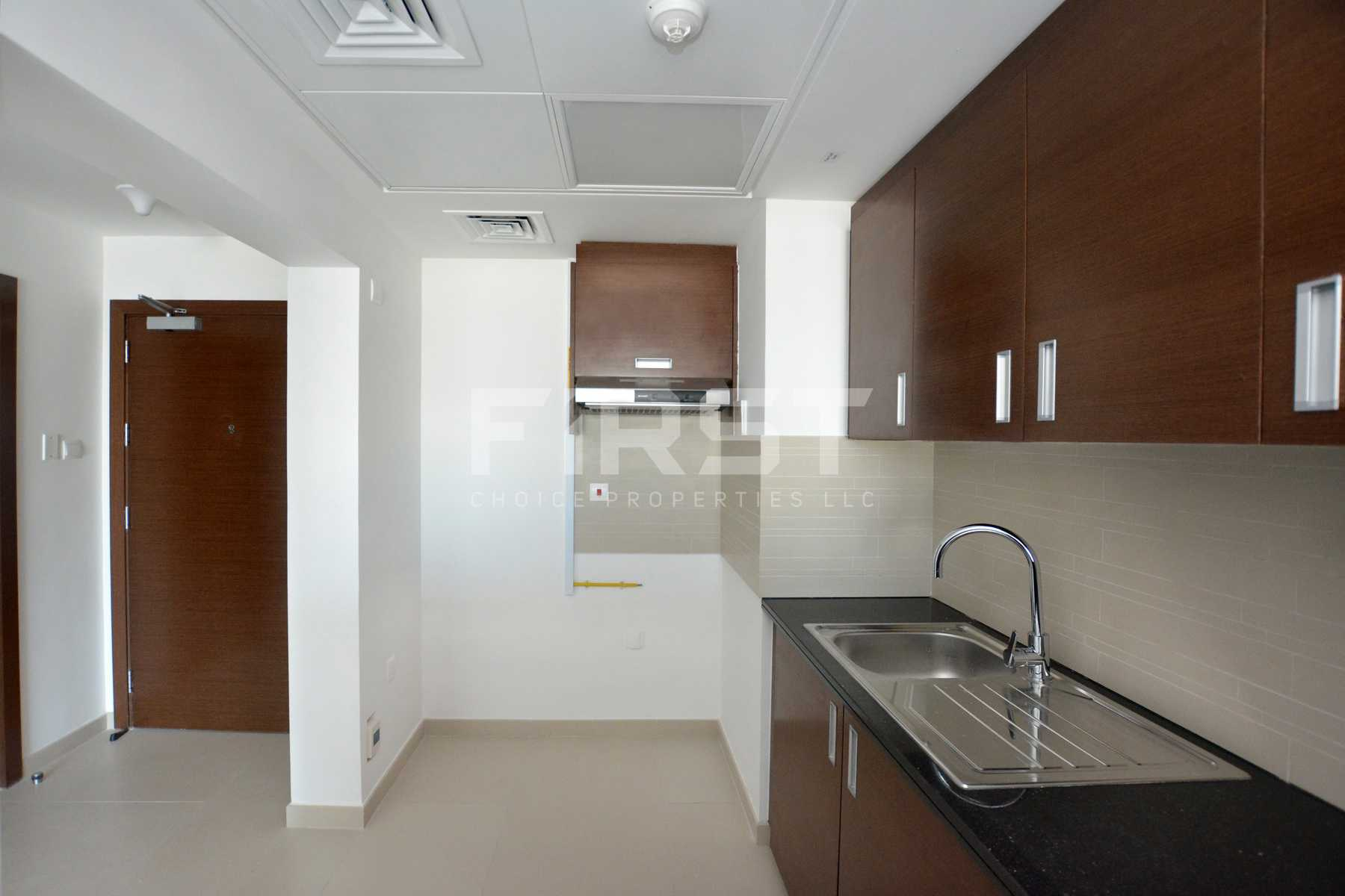 Internal Photo of 1 Bedroom Apartment in The Gate Tower Shams Abu Dhabi Al Reem Island Abu Dhabi UAE (4).jpg