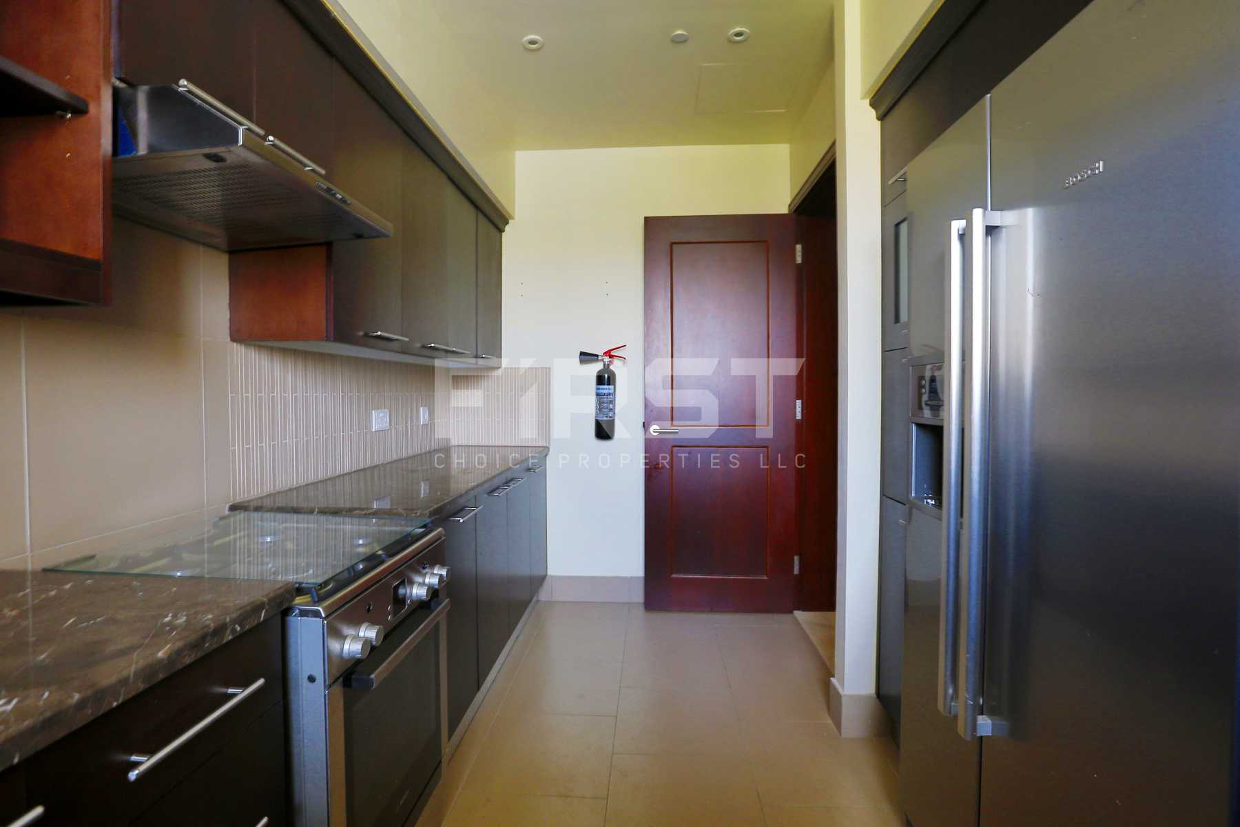 Internal Photo of 3 Bedroom Apartment on Saadiyat Beach Residences Saadiyat Island Abu Dhabi UAE (28).jpg