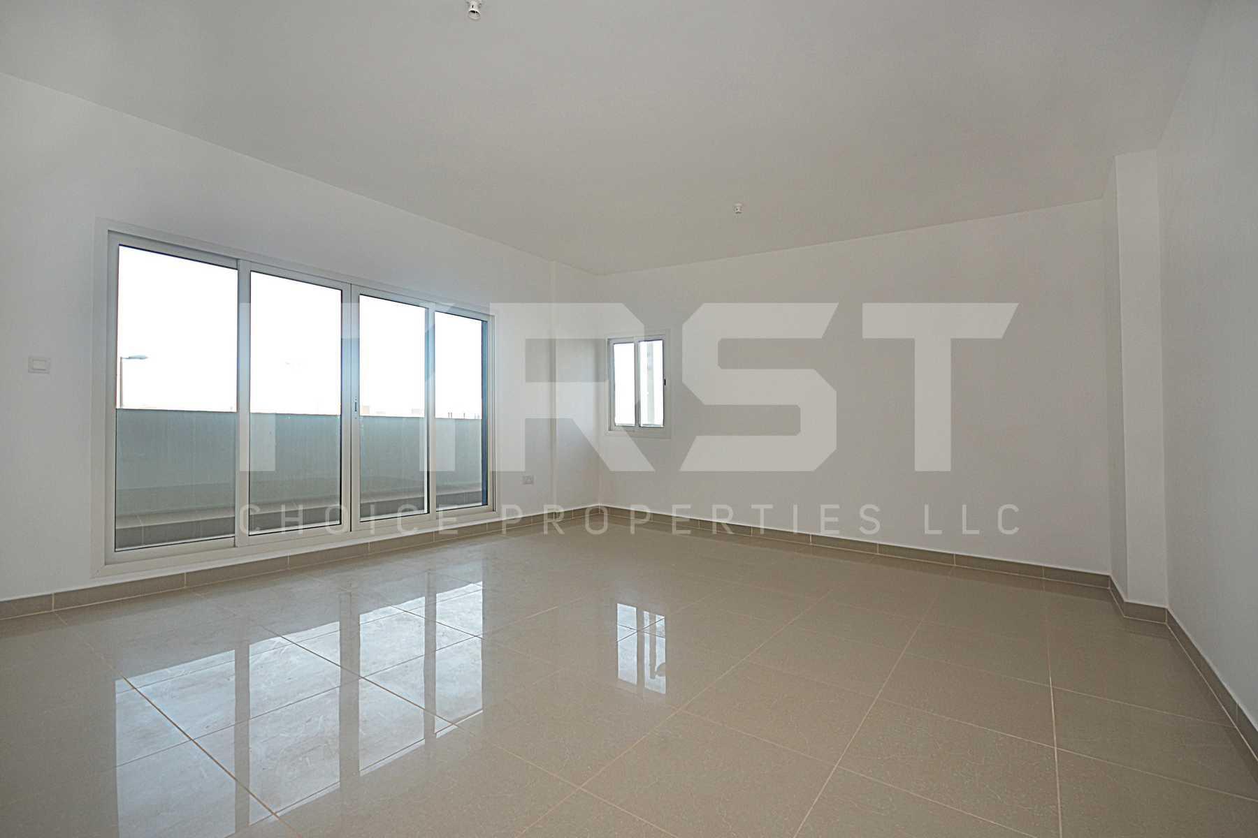 Internal Photo of 3 Bedroom Apartment Closed Kitchen in Al Reef Downtown Al Reef Abu Dhabi UAE (4).jpg