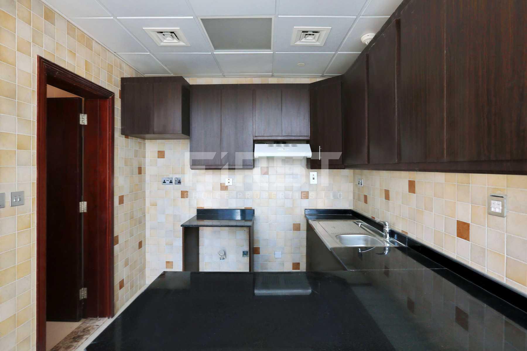 Internal Photo of Studio Apartment in Hydra Avenue City of Lights Al Reem Island Abu Dhabi UAE  (9).jpg