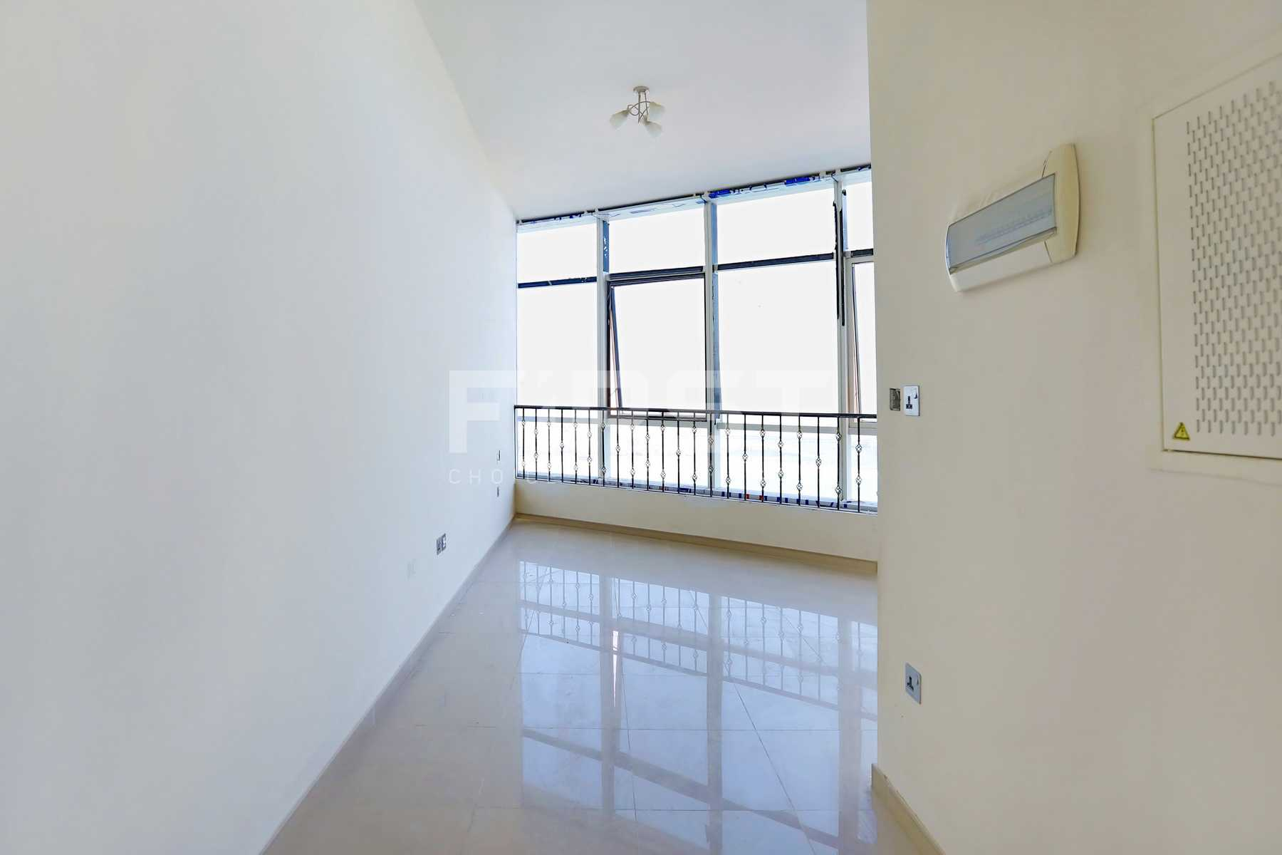 Internal Photo of Studio Apartment in Hydra Avenue City of Lights Al Reem Island Abu Dhabi UAE  (1).jpg