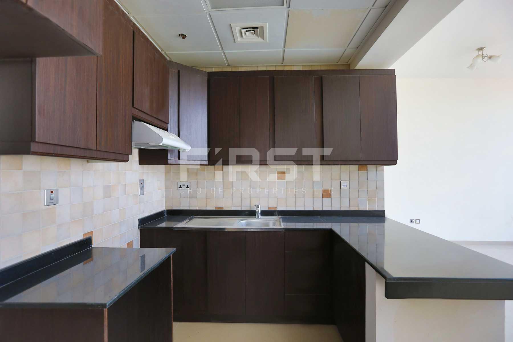 Internal Photo of Studio Apartment in Hydra Avenue City of Lights Al Reem Island Abu Dhabi UAE  (3).jpg