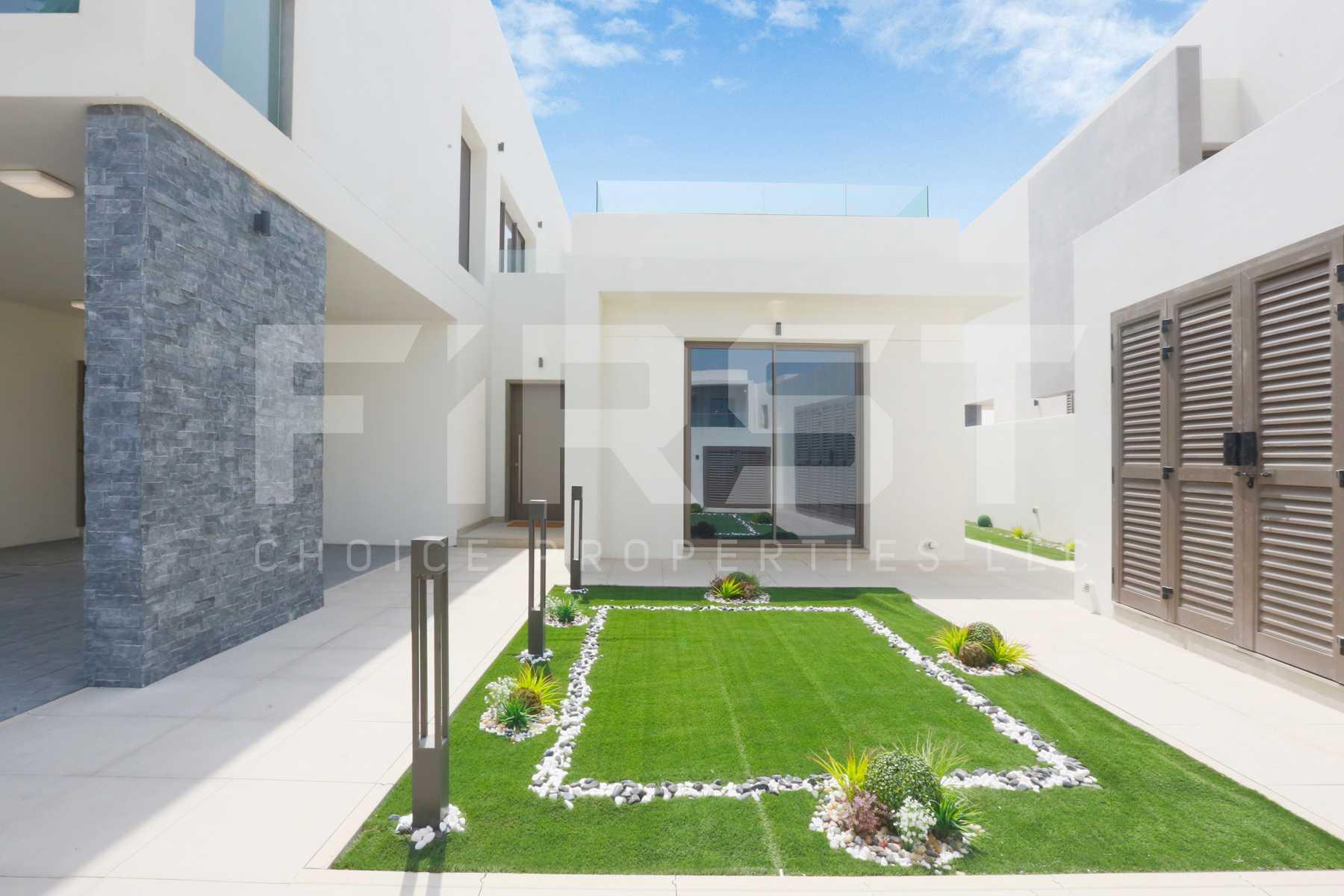 External Photo of 4 Bedroom Villa Type 4F in Yas Acres Yas Island Abu Dhabi UAE (11).jpg
