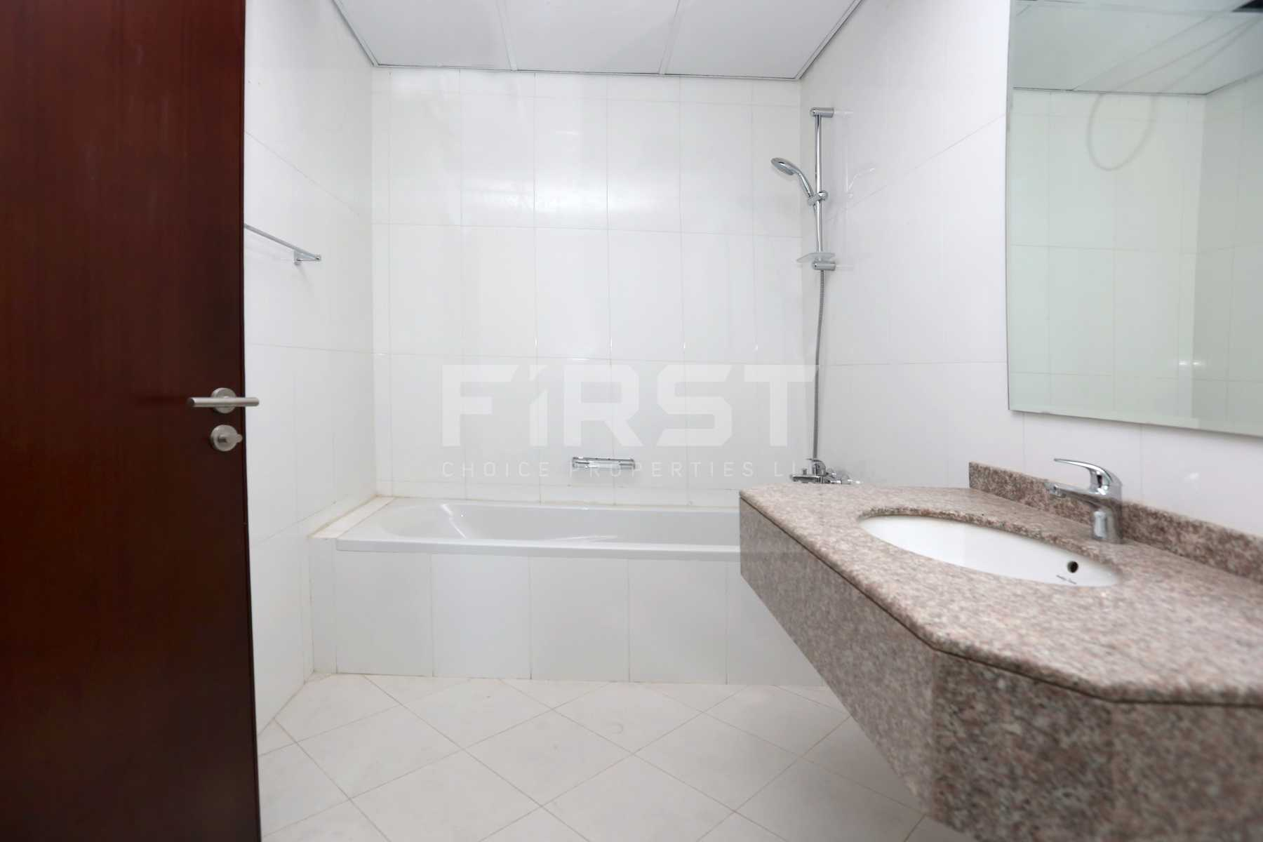 Internal Photo of 2 Bedroom Apartment in Hydra Avenue City of Lights Al Reem Island Abu Dhabi UAE (8).jpg
