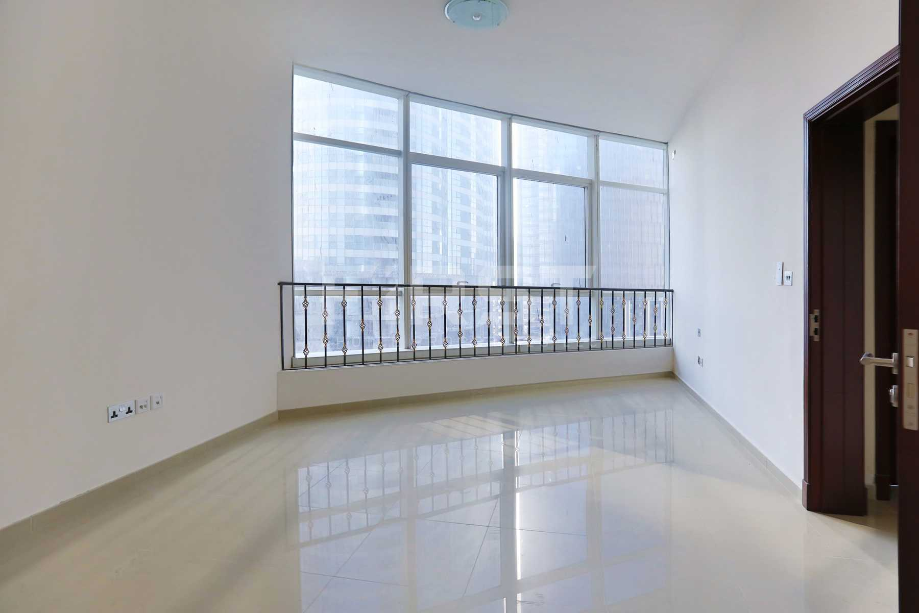 Internal Photo of 2 Bedroom Apartment in Hydra Avenue City of Lights Al Reem Island Abu Dhabi UAE (11).jpg