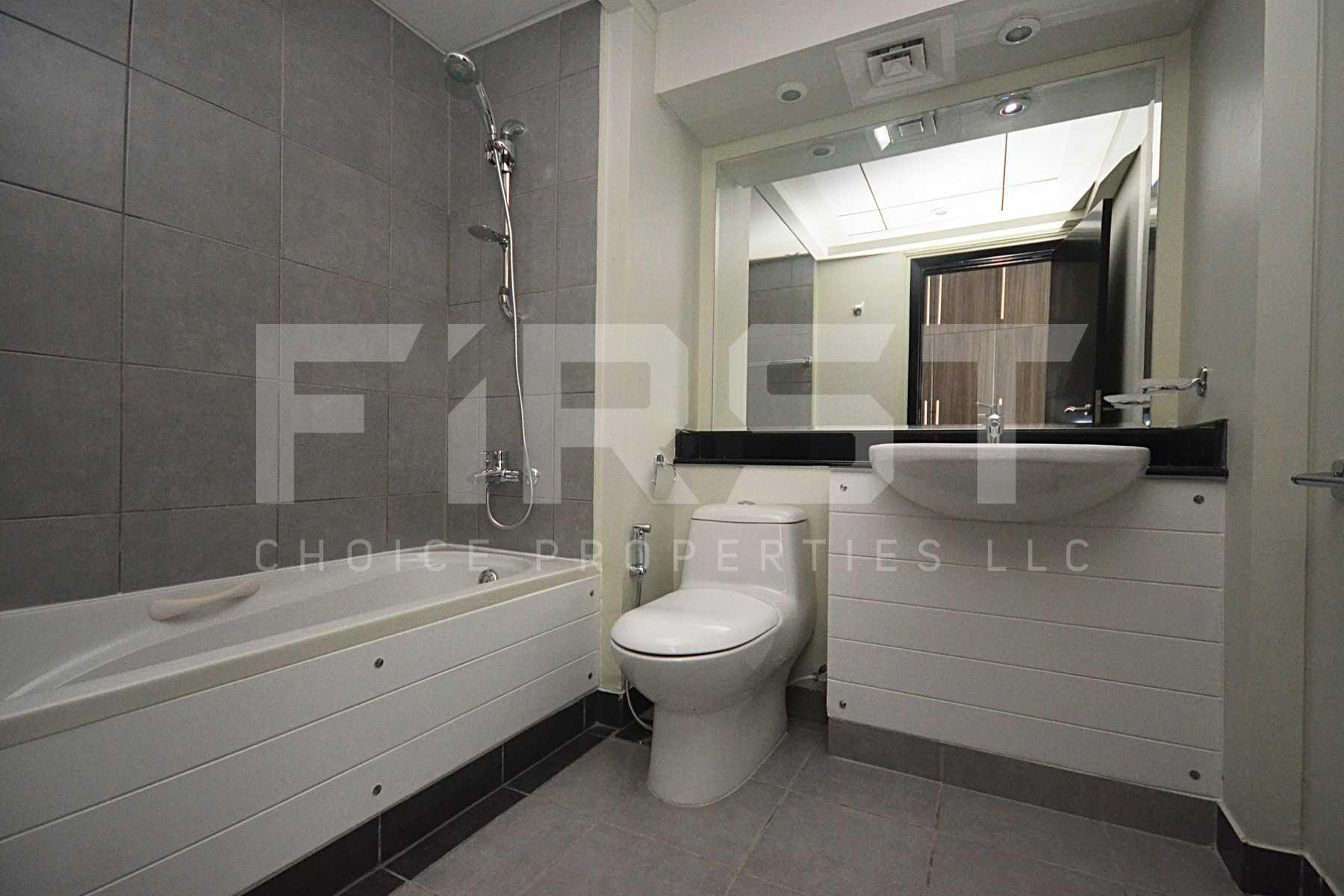 Internal Photo of 3 Bedroom Apartment Closed Kitchen in Al Reef Downtown Al Reef Abu Dhabi UAE (18).jpg