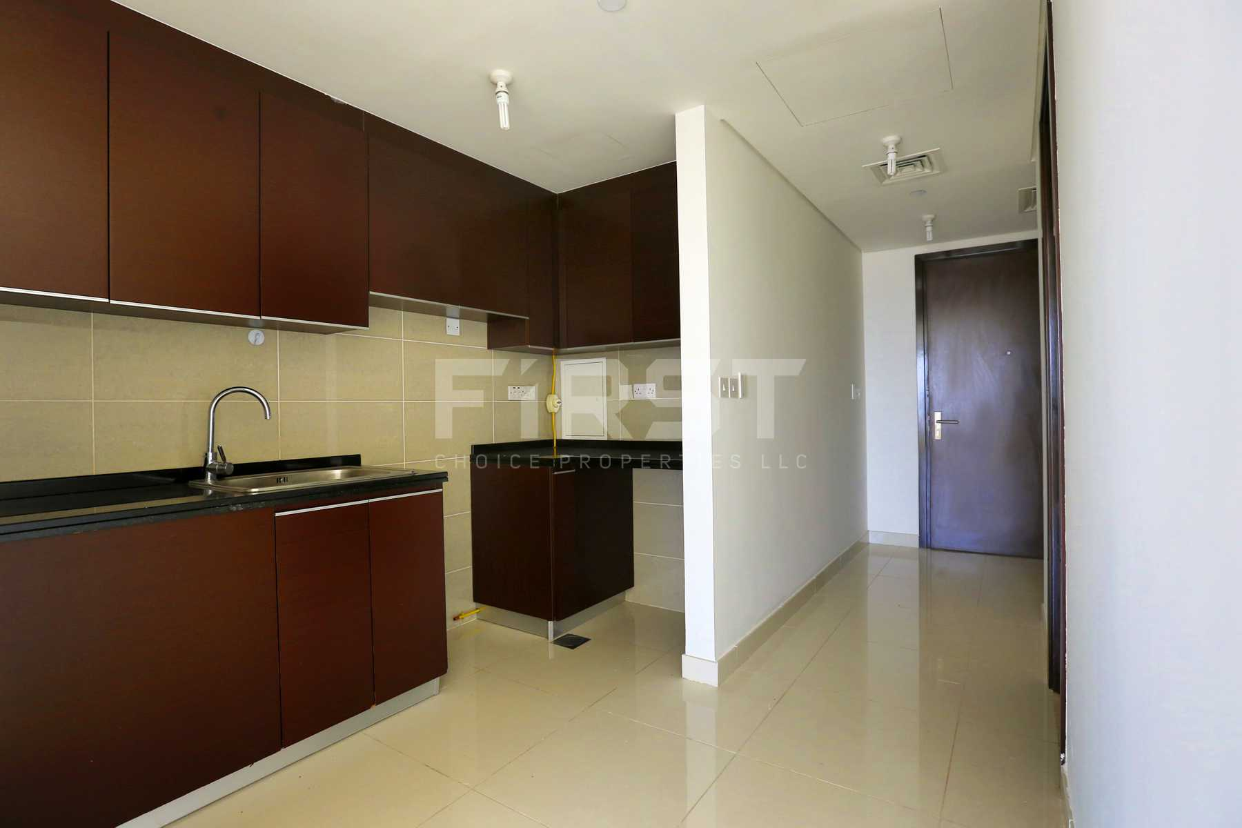 Internal Photo of Studio Apartment in Al Maha Tower Marina Square Al Reem Island Abu Dhabi UAE (3).jpg