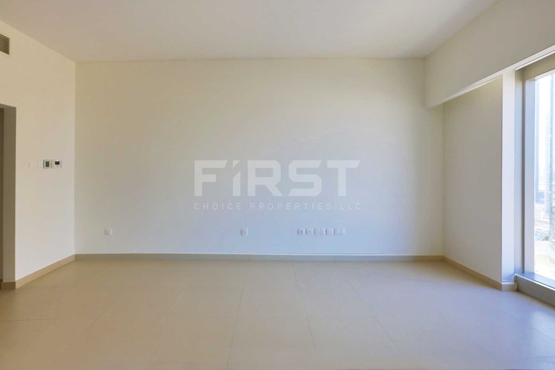 Internal Photo of Studio Apartment in The Arc Al Reem Island Abu Dhabi UAE (11).jpg
