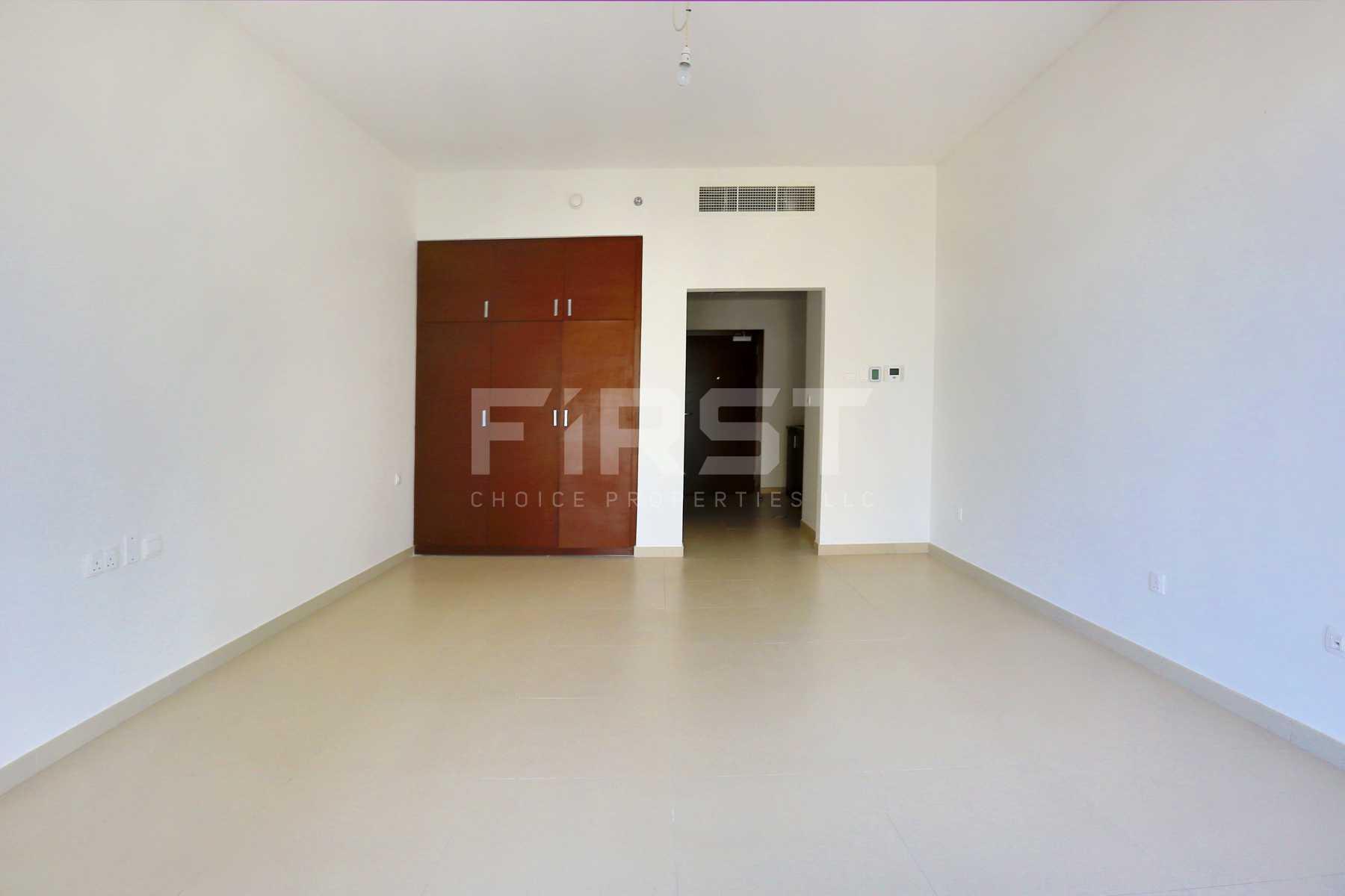 Internal Photo of Studio Apartment in The Arc Al Reem Island Abu Dhabi UAE (13).jpg