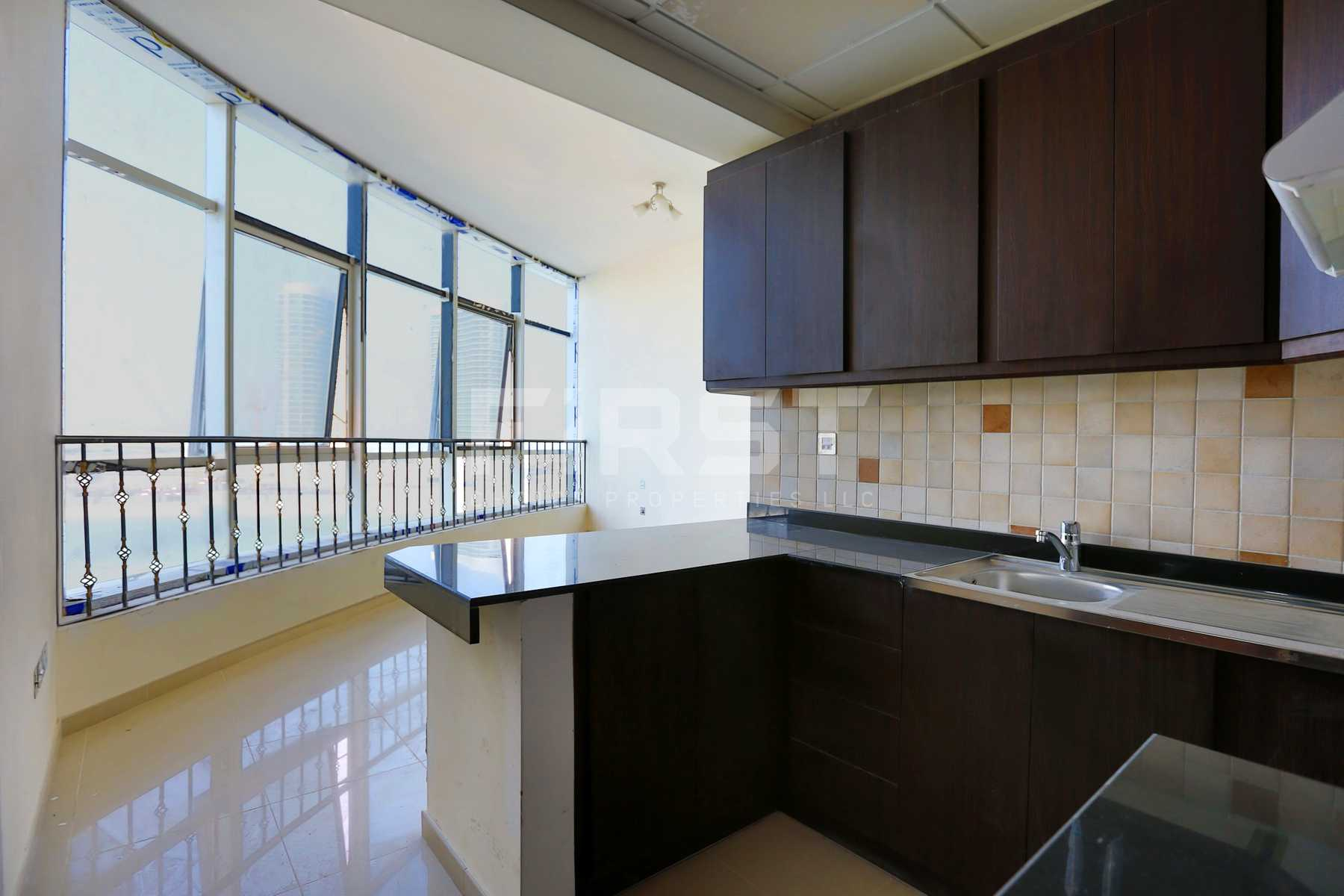 Internal Photo of Studio Apartment in Hydra Avenue City of Lights Al Reem Island Abu Dhabi UAE  (3).jpg
