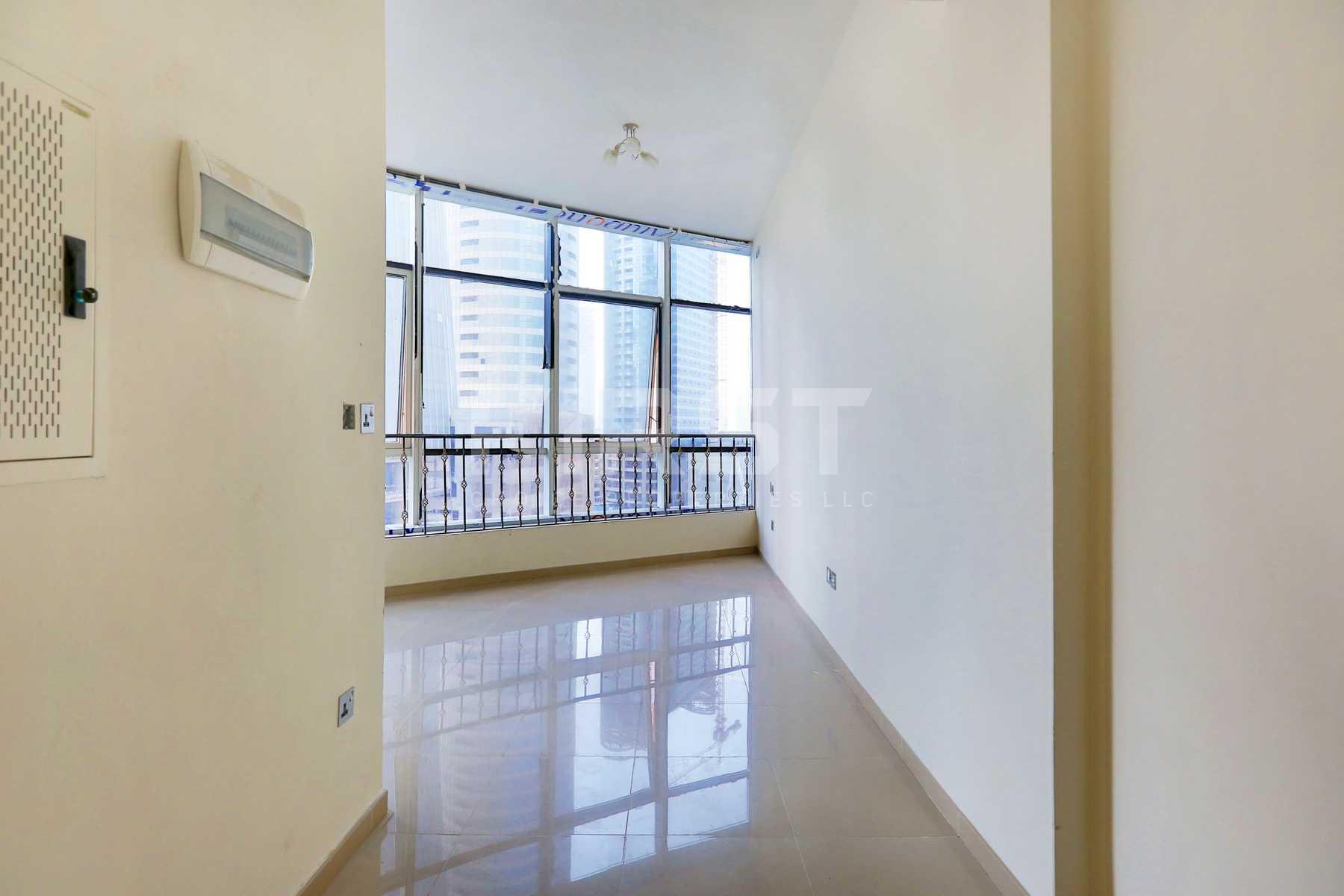 Internal Photo of Studio Apartment in Hydra Avenue City of Lights Al Reem Island Abu Dhabi UAE  (4).jpg