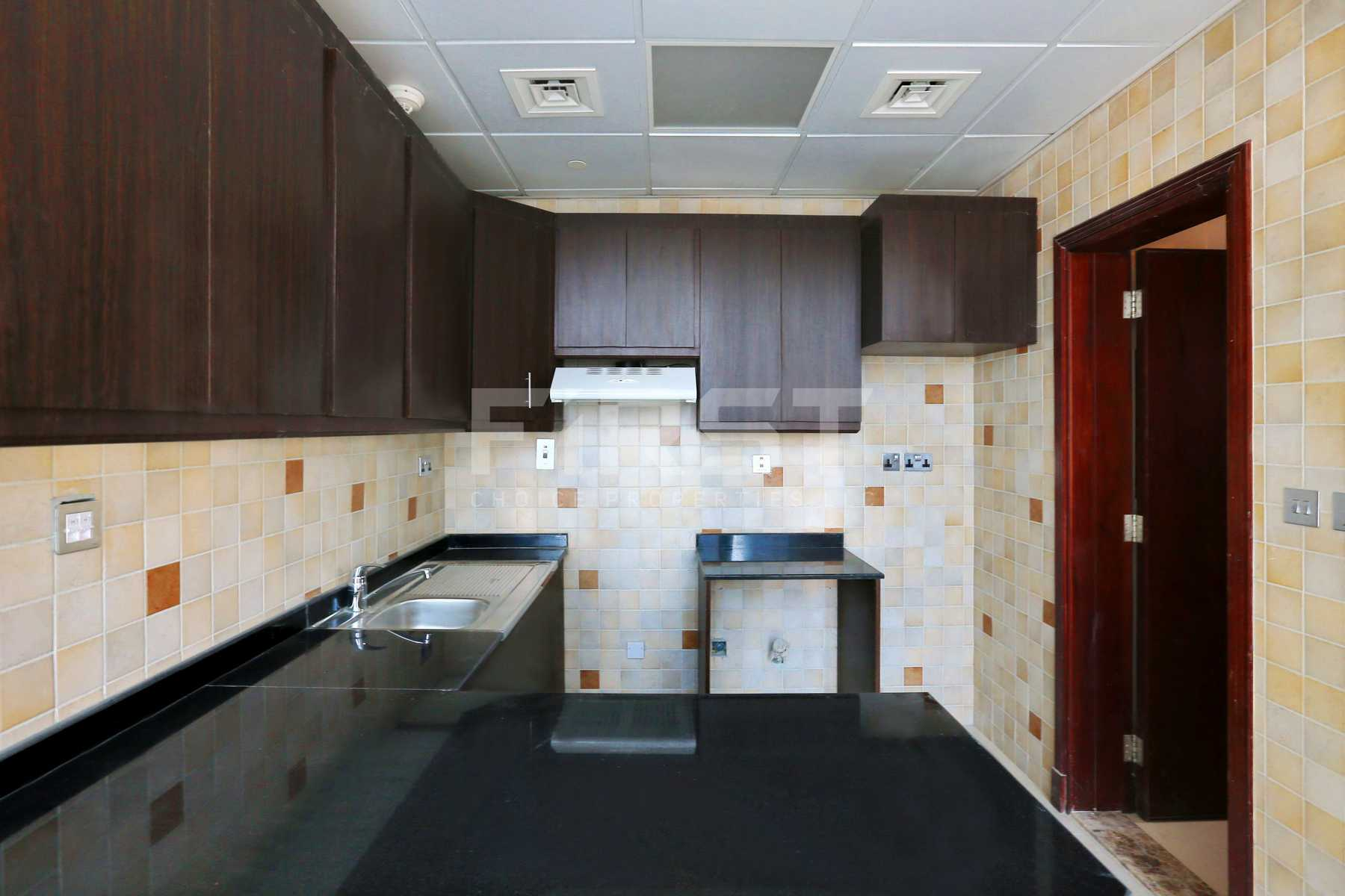 Internal Photo of Studio Apartment in Hydra Avenue City of Lights Al Reem Island Abu Dhabi UAE  (8).jpg