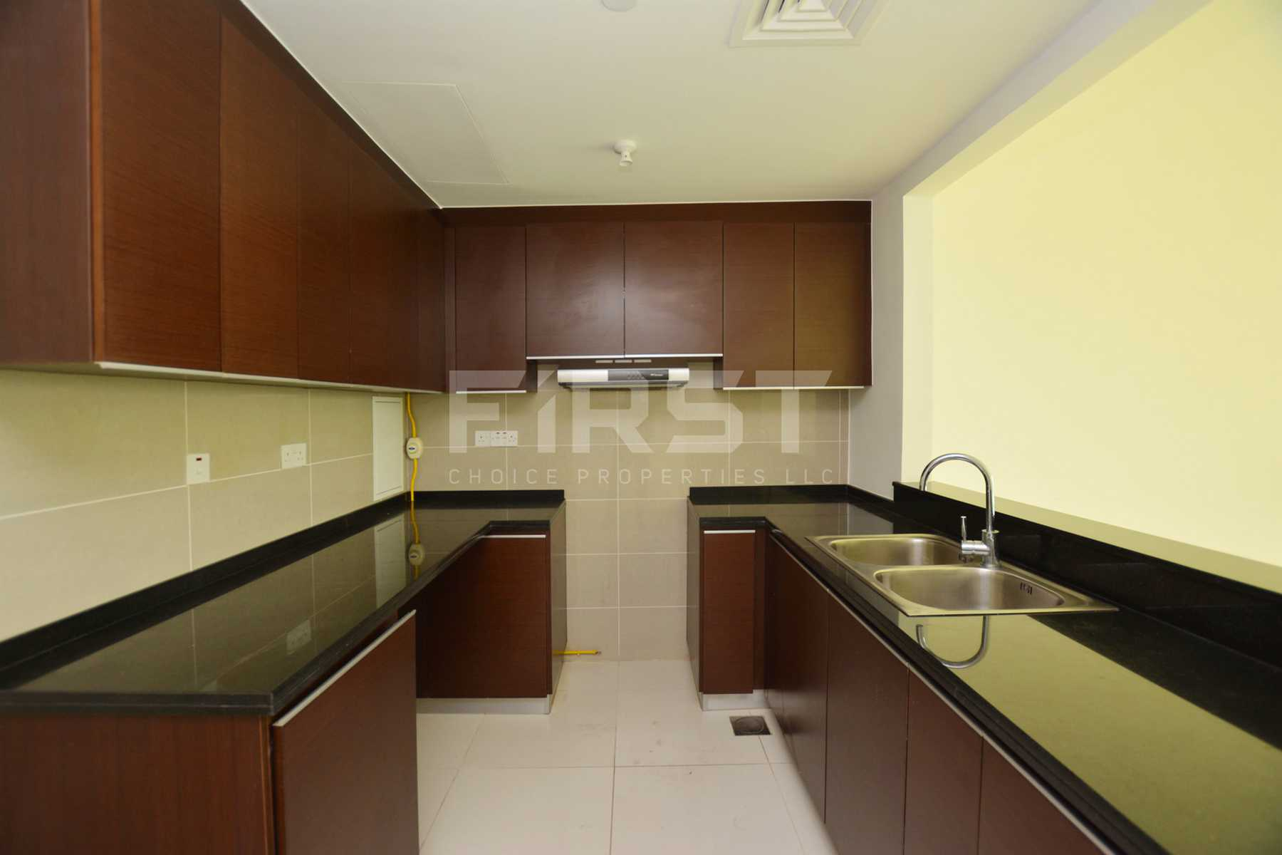 Internal Photo of 1 Bedroom Apartment in Al Maha Tower Marina Square Al Reem Island Abu Dhabi UAE (3).jpg
